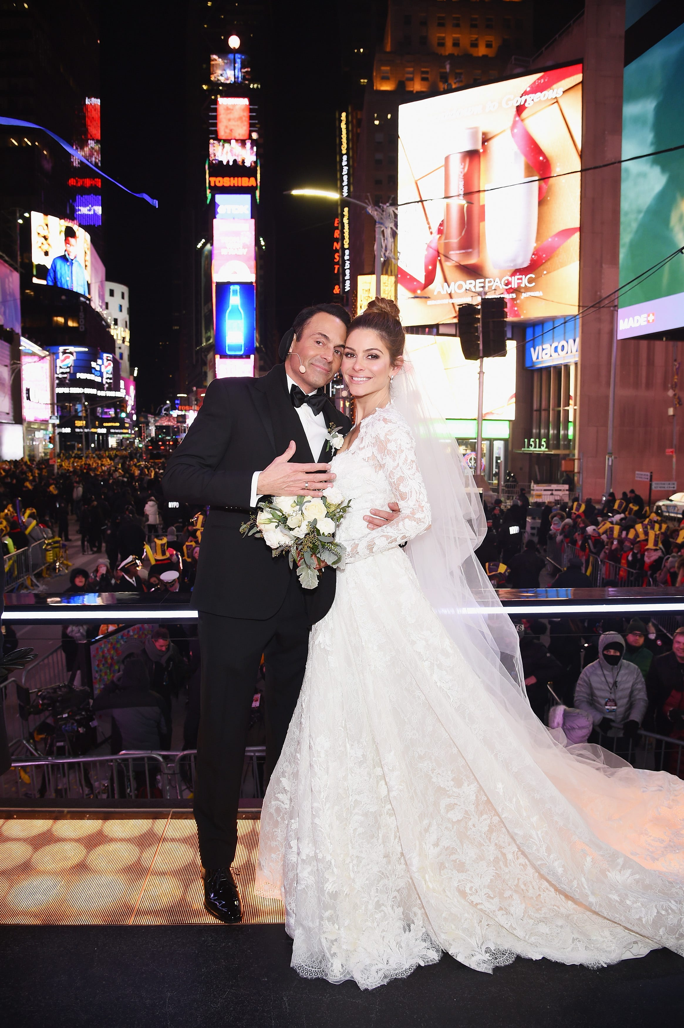 Surprise! Maria Menounos gets married on New Year's Eve live broadcast
