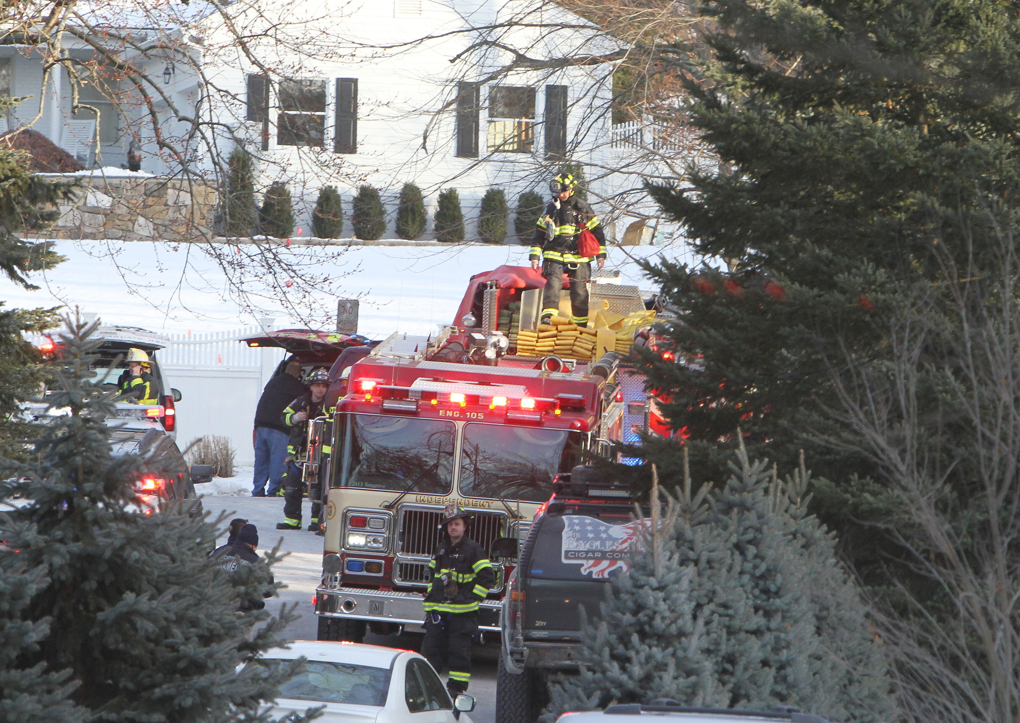 Fire breaks out at Hillary and Bill Clinton's compound in Chappaqua, New York