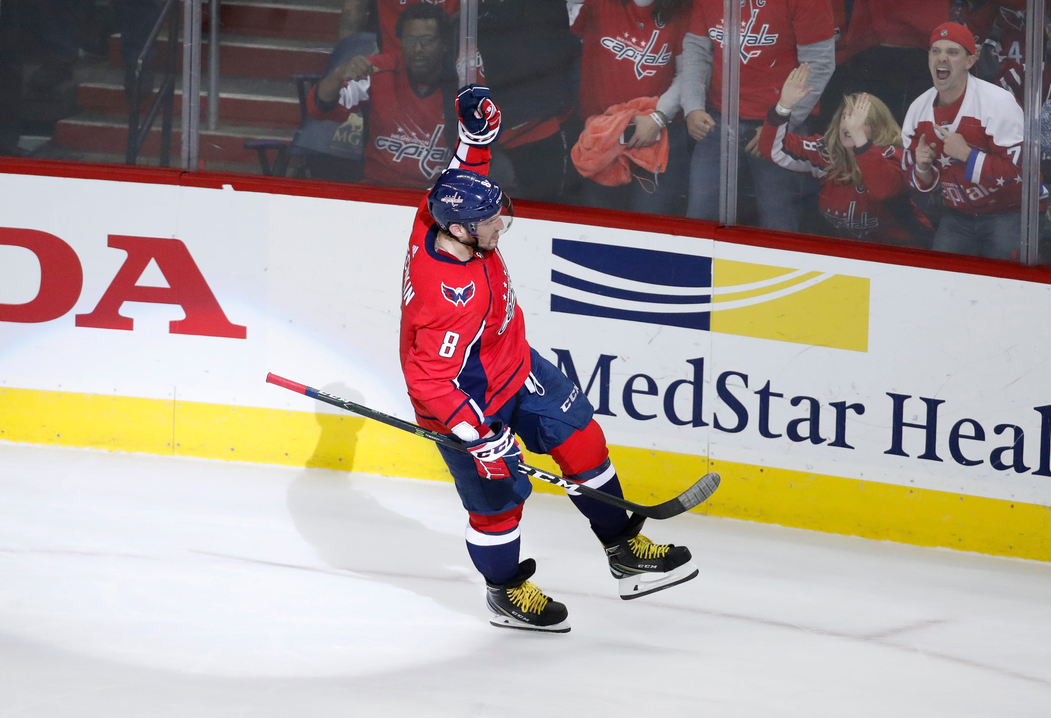 Ovechkin on pace for 50-goal season at age 32
