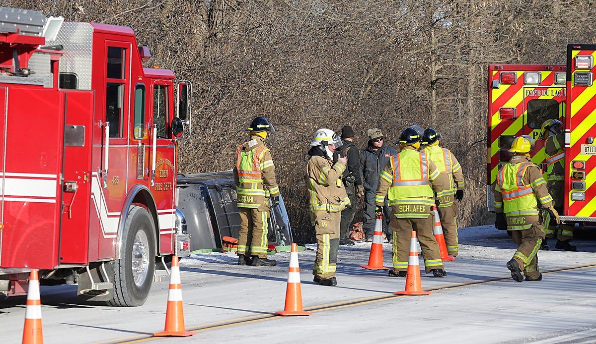 Thursday morning crash leaves woman dead