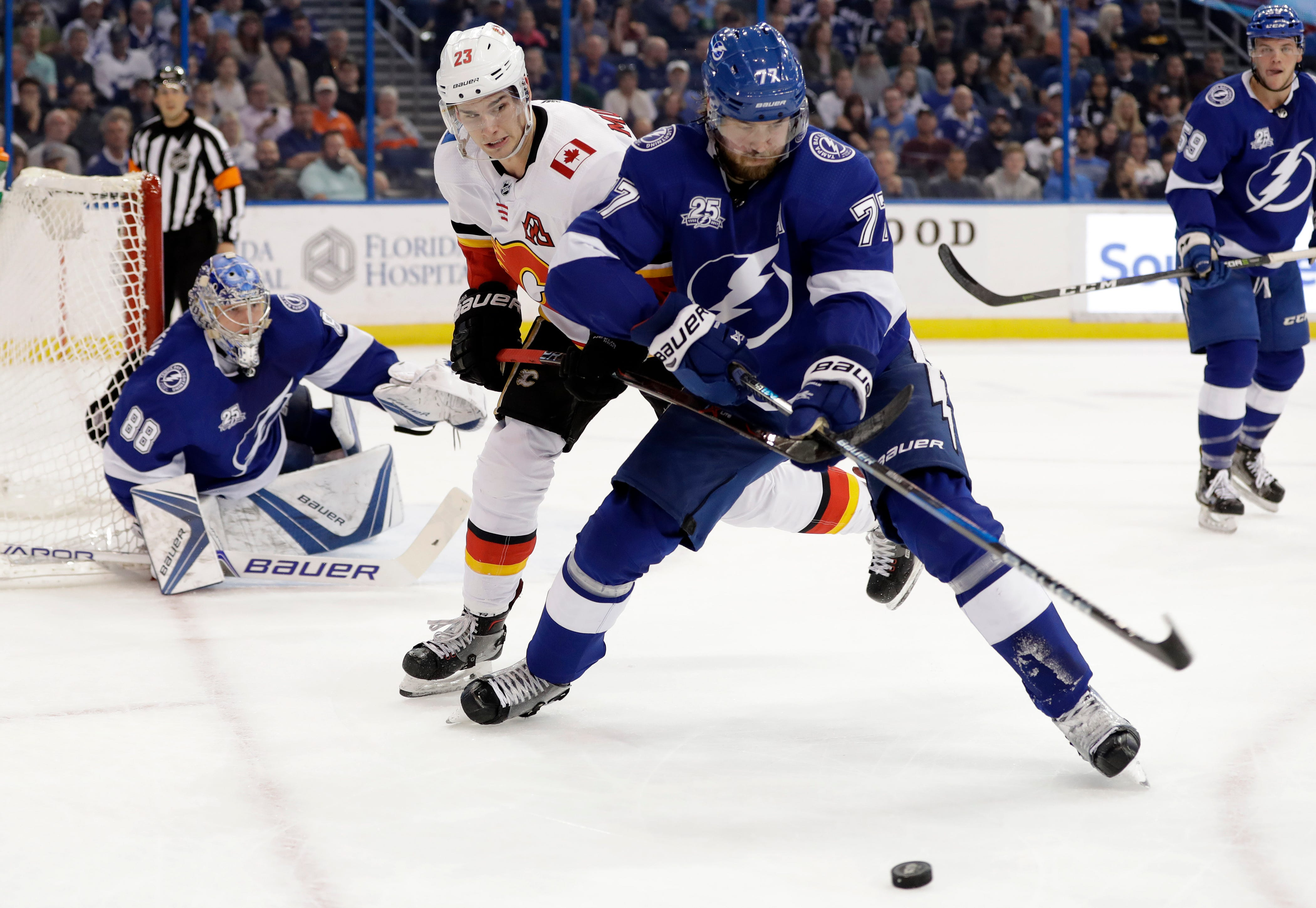 Lightning's Hedman out 3-to-6 weeks with lower-body injury