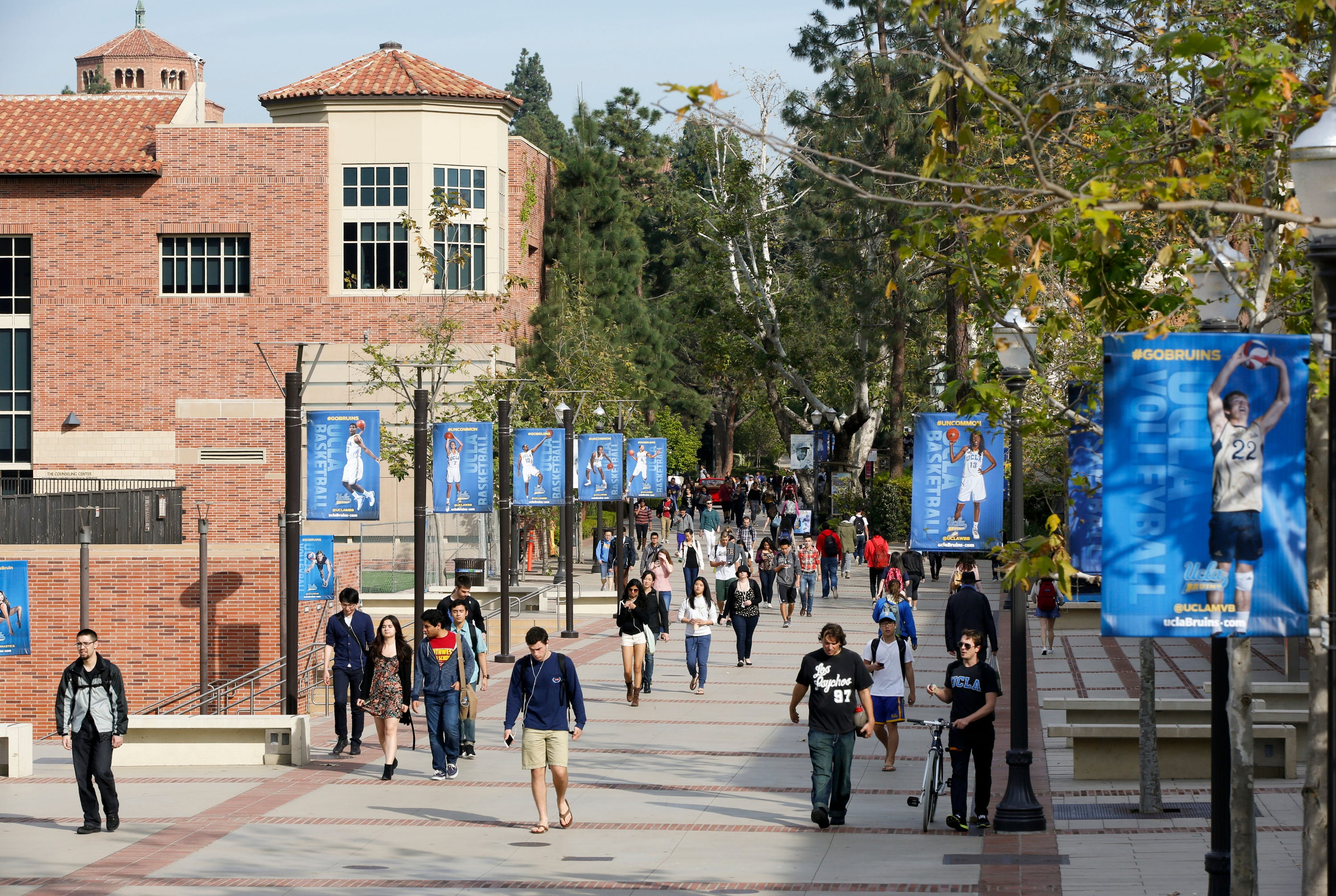 UCLA fraternities ban parties with alcohol