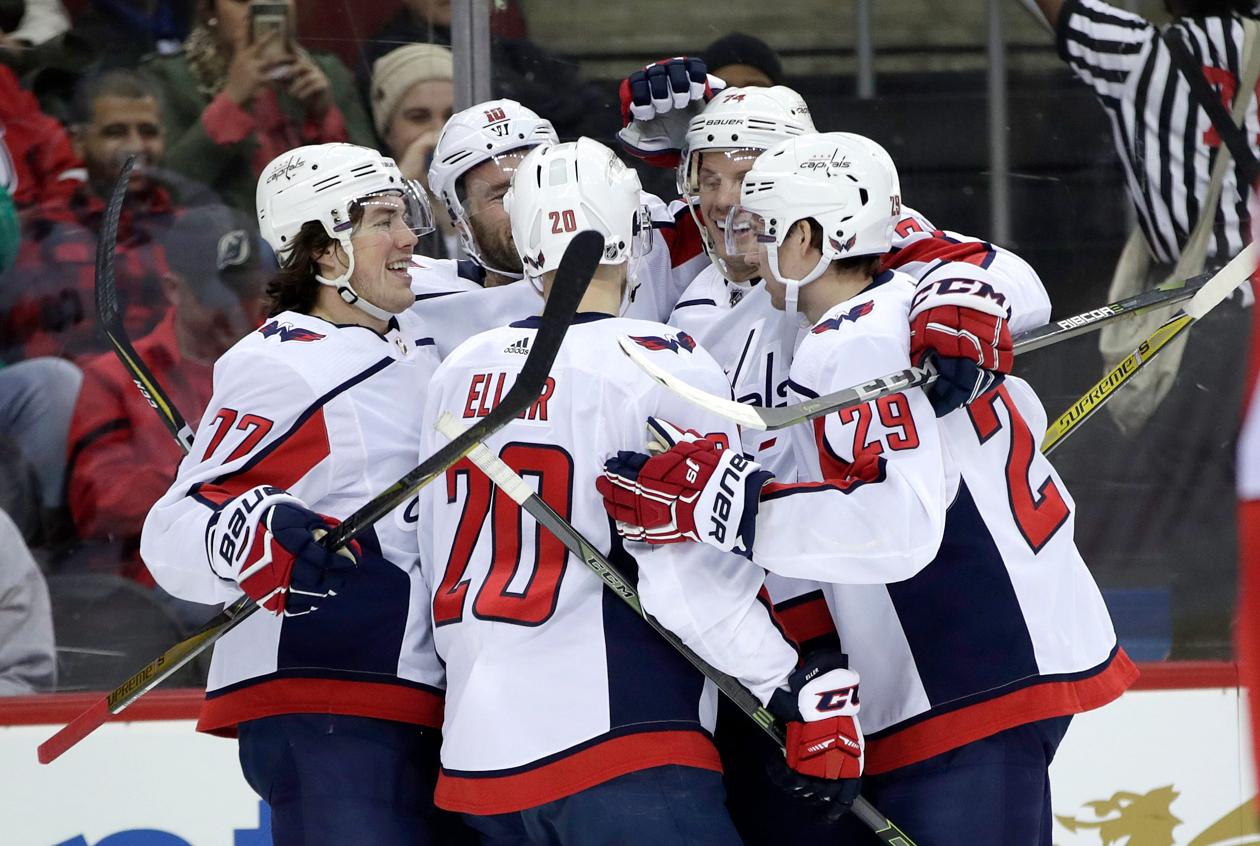 Hall's overtime goal gives Devils 4-3 win over Capitals