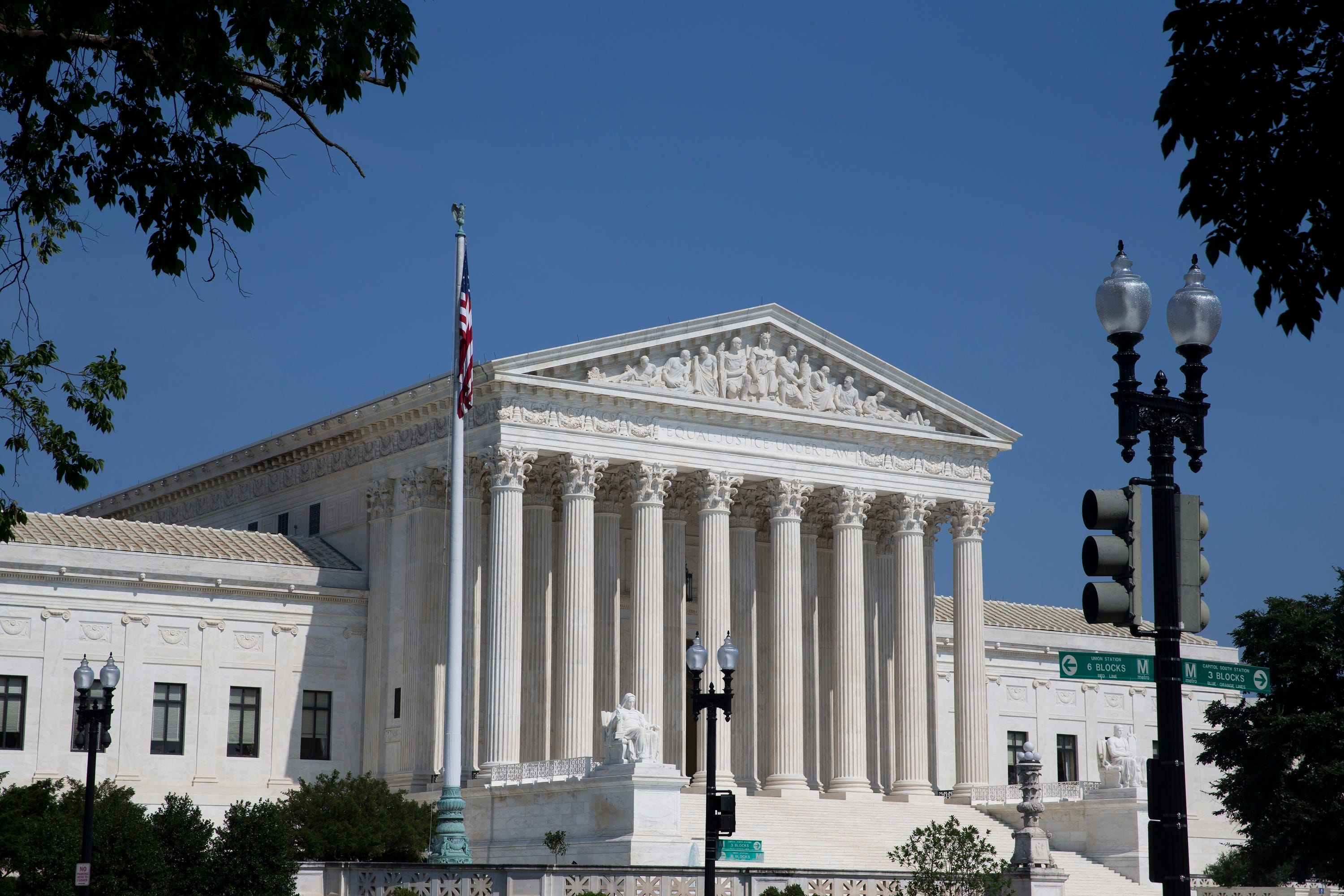 Supreme Court cracks down on government snooping through cellphone location records