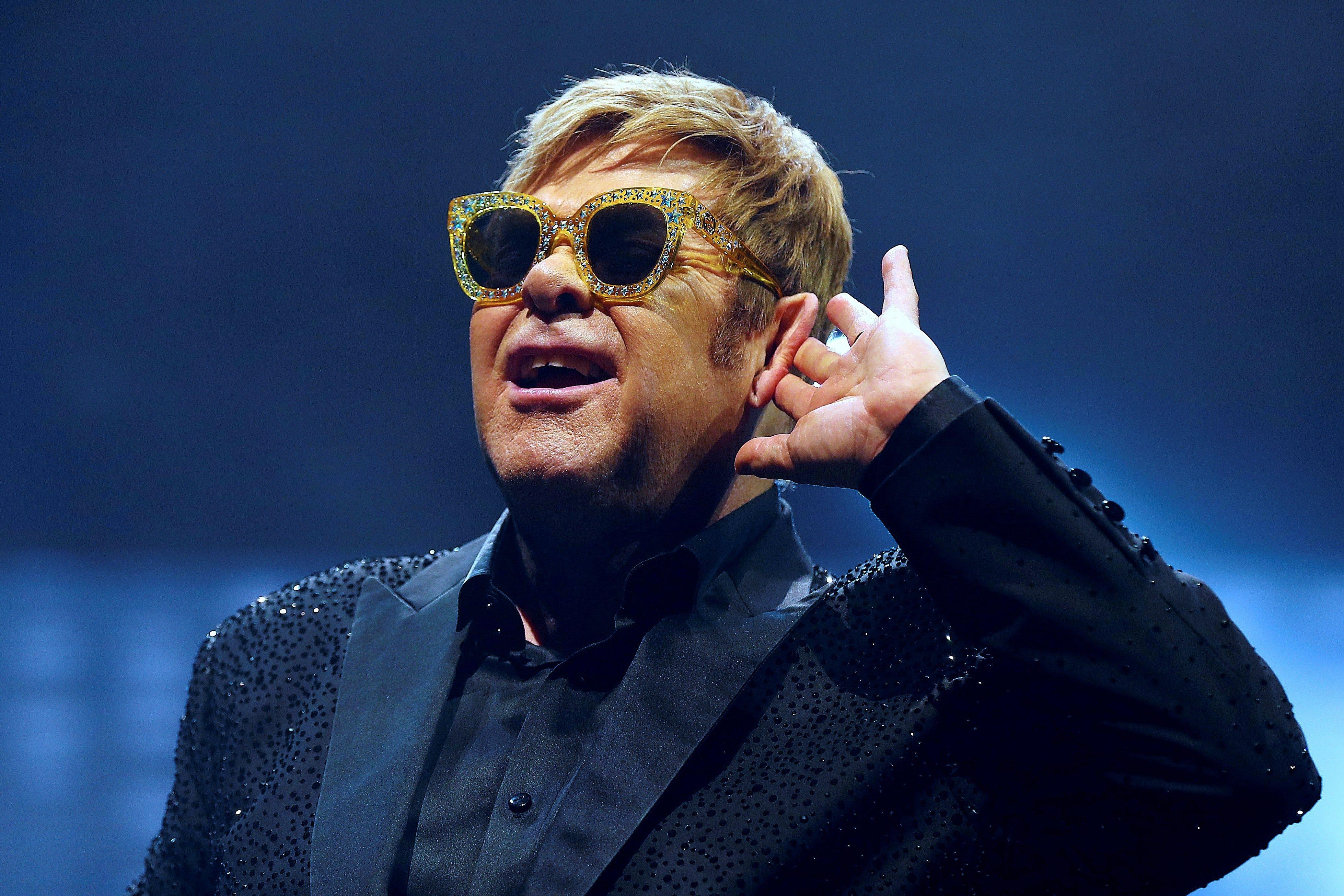 12news.com | Elton Joh...
