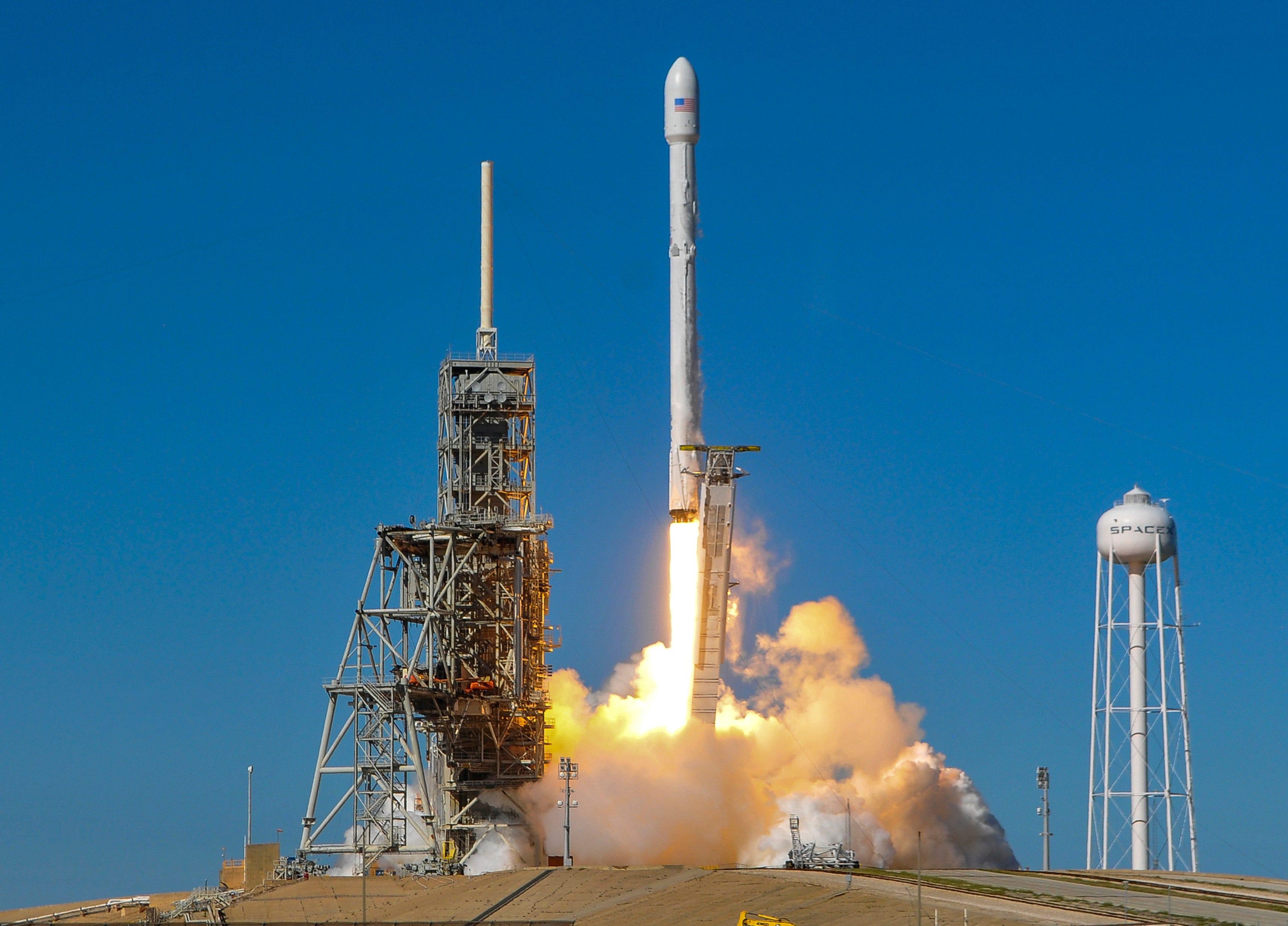 spacex hawthorne rocket - HD3425×2463