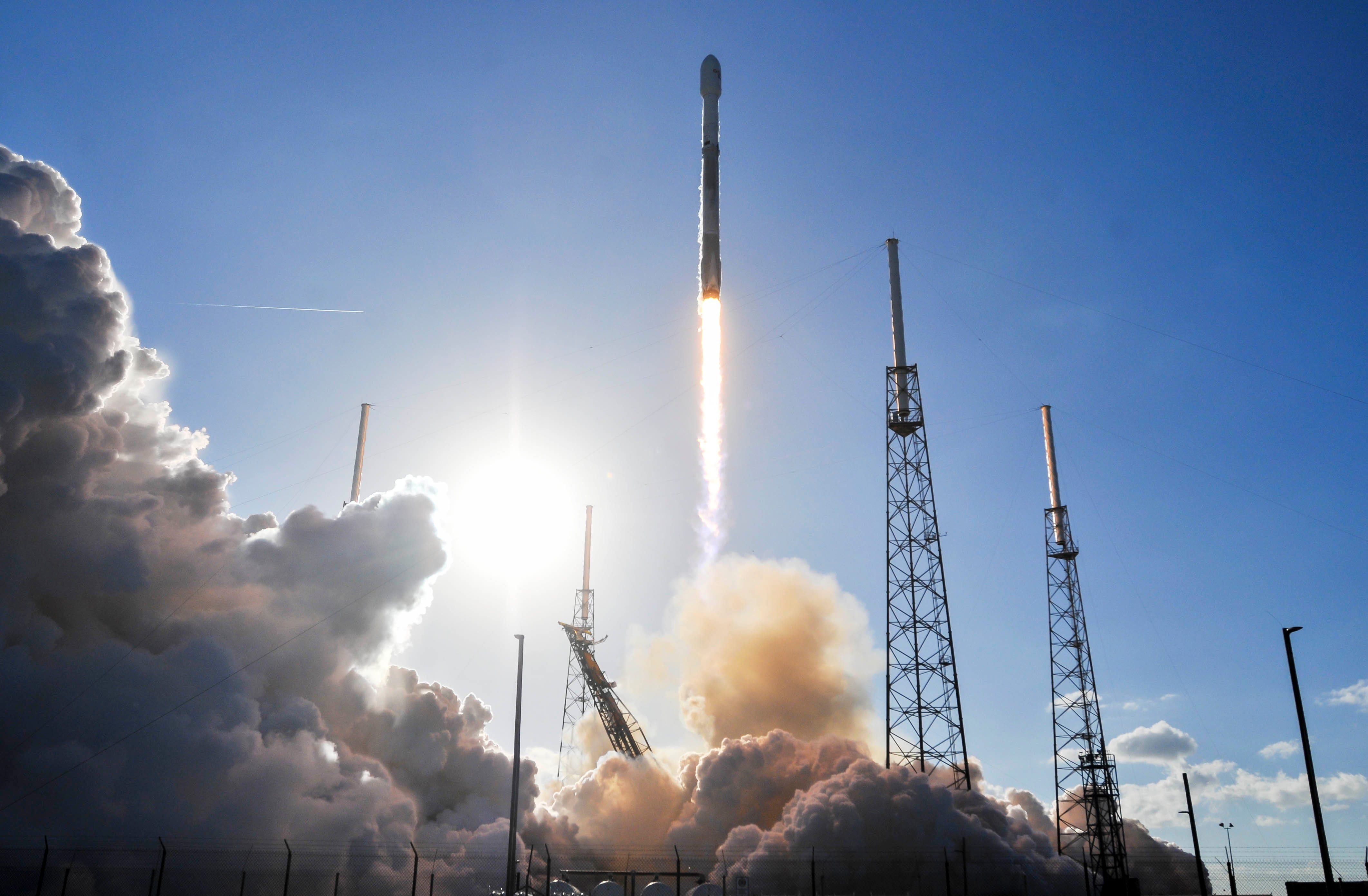 636530349005708278-crb013118-spacex-14- SpaceX will host next Cape Canaveral launch this month with Falcon 9