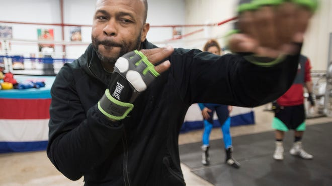 mike tyson vs roy jones jr how jones plans to spoil tyson s return pensacola news journal