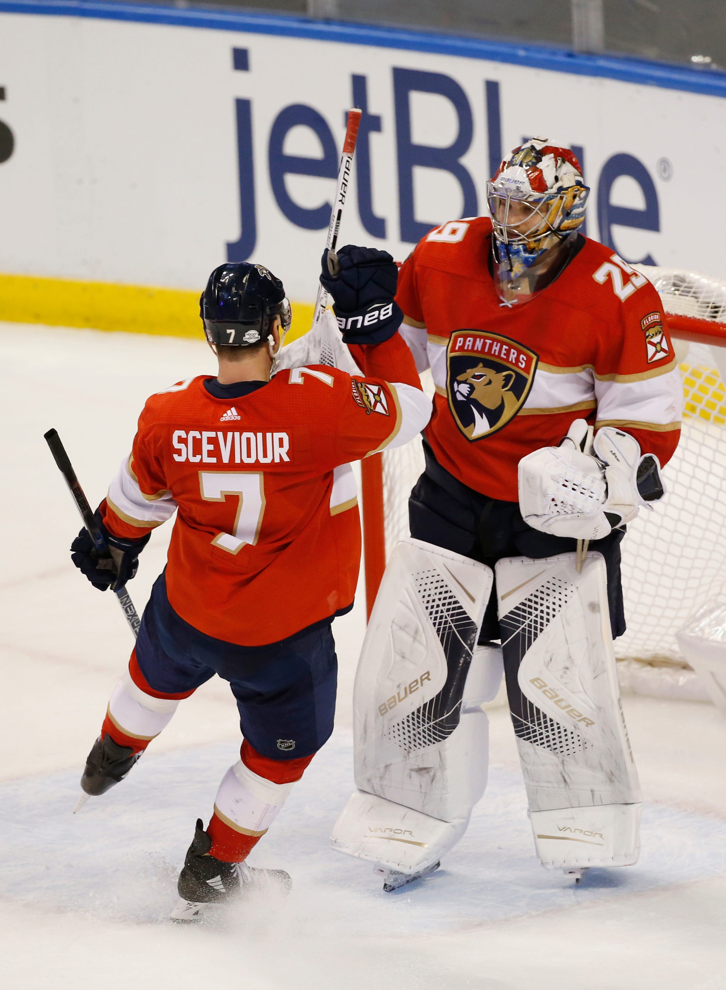 Barkov scores twice to help Panthers beat Canucks 3-1