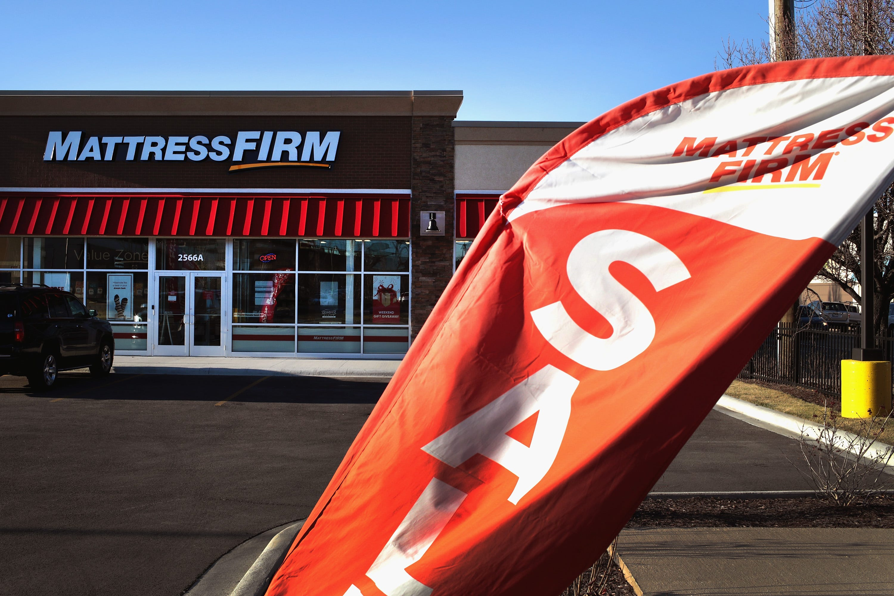 Mattress Firm is 'conspiring' to sell bogus mattresses, Tempur-Pedic alleges in lawsuit