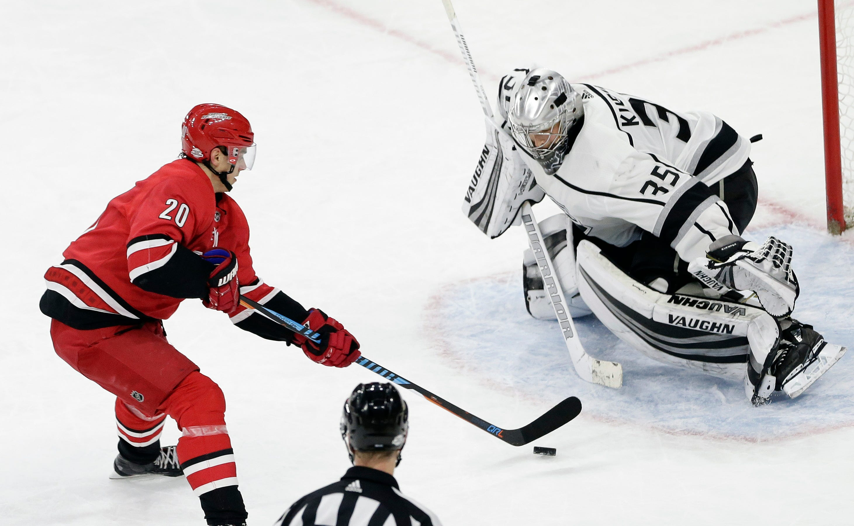 Faulk's hat trick helps Hurricanes rout Kings 7-3