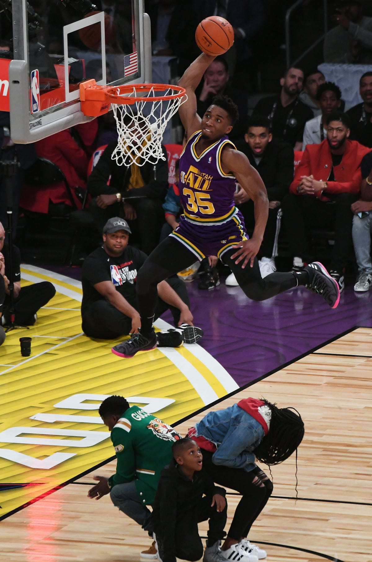 promo code 069db f339c All-Star dunk contest: Utah's Donovan Mitchell wins with nod ...