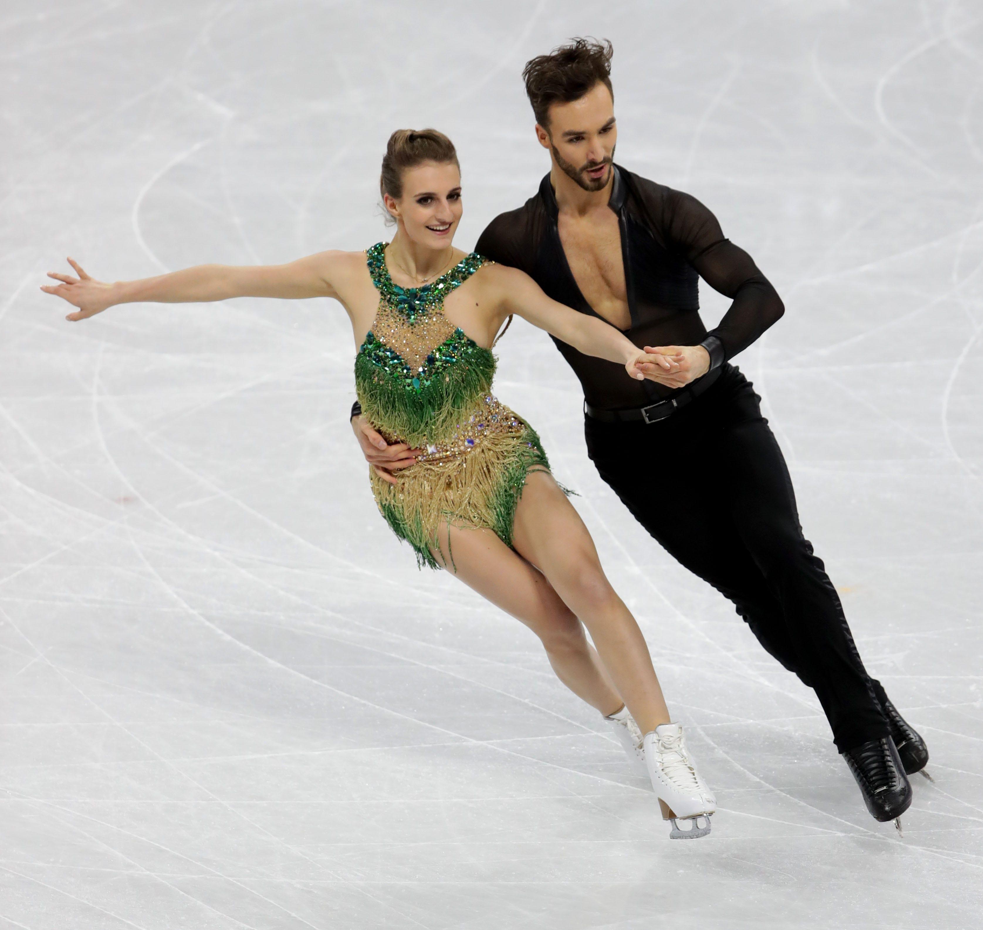 french-ice-dancer-gabriella-papadakis-devastated-after-embarrassing-wardrobe-malfunction