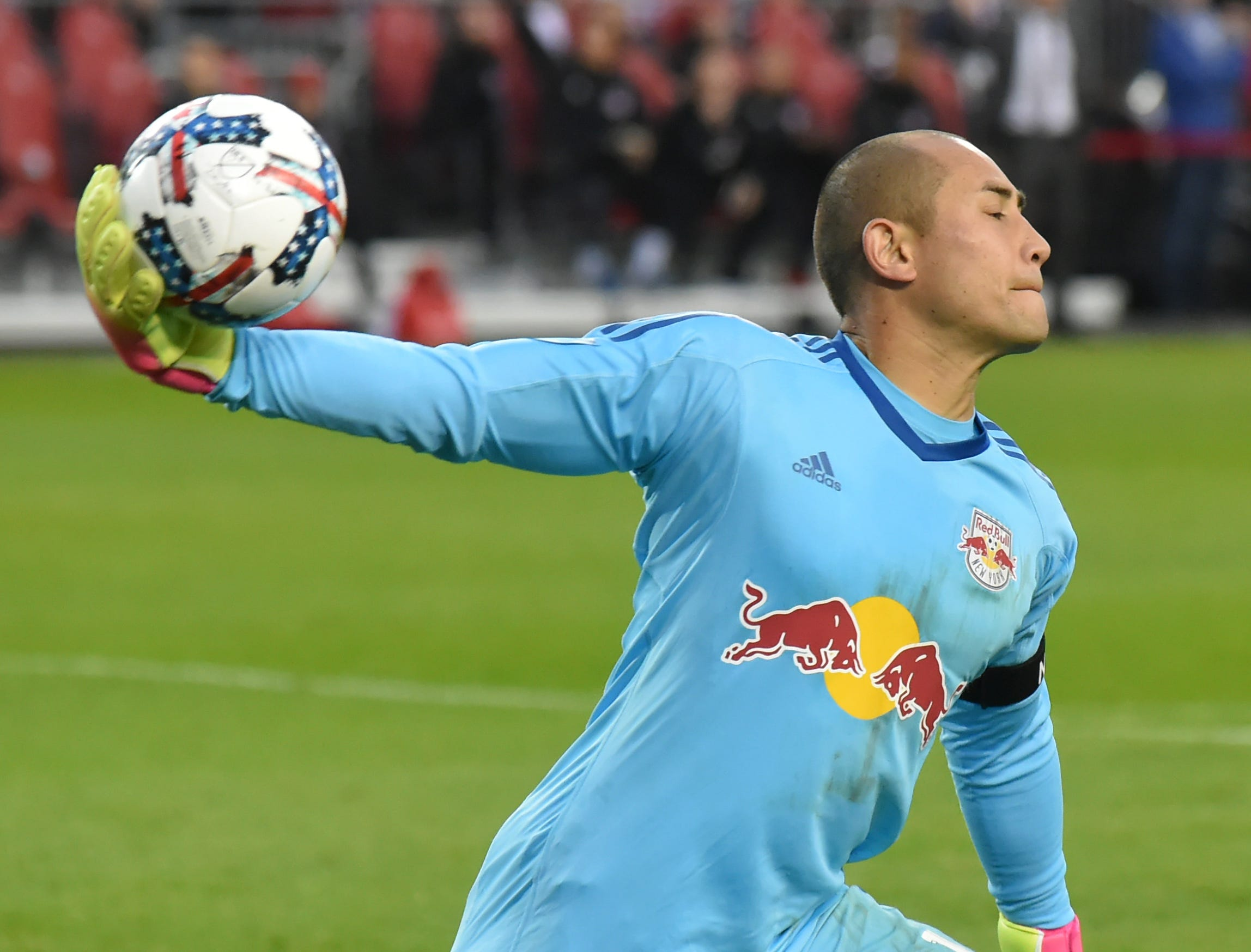 New York Red Bulls name Luis Robles as team captain for 2018 MLS season
