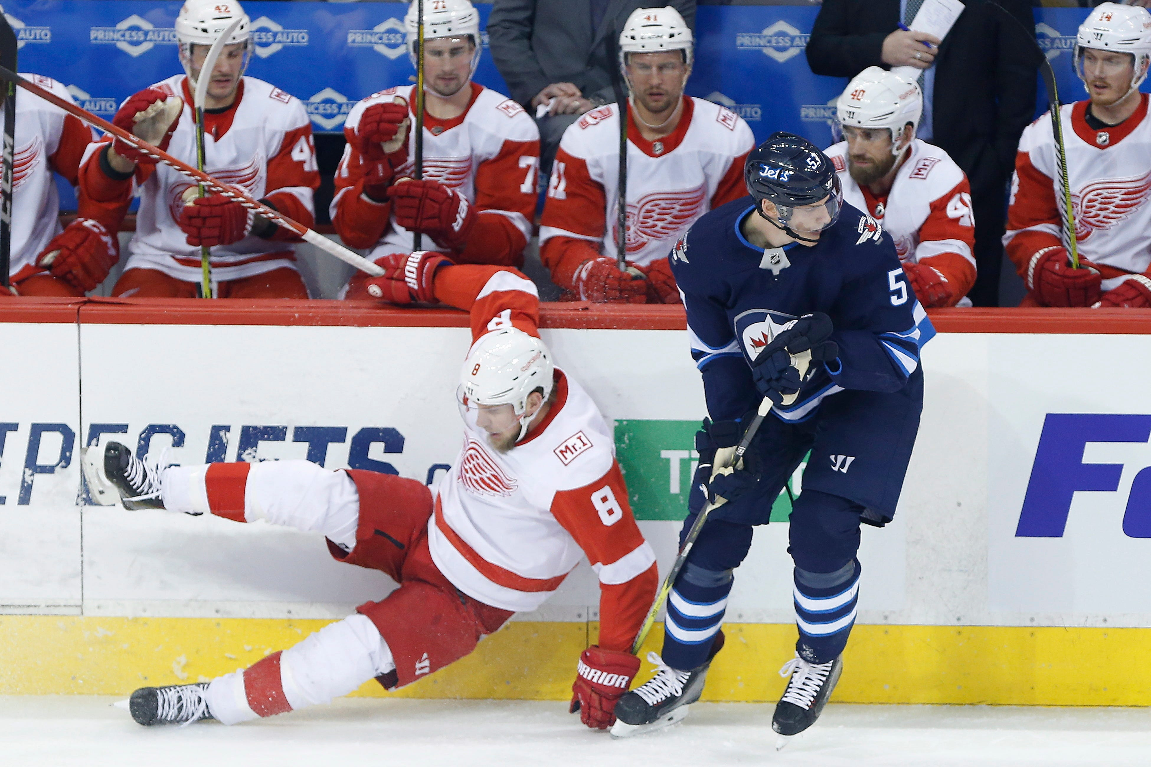 Patrik Laine scores twice, Jets past Red Wings 4-3