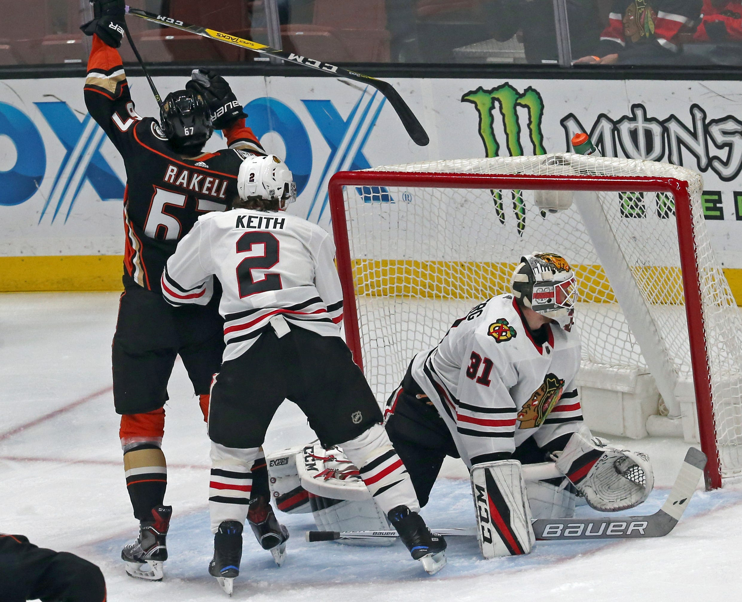Ducks rout Blackhawks, move into 3rd in Pacific