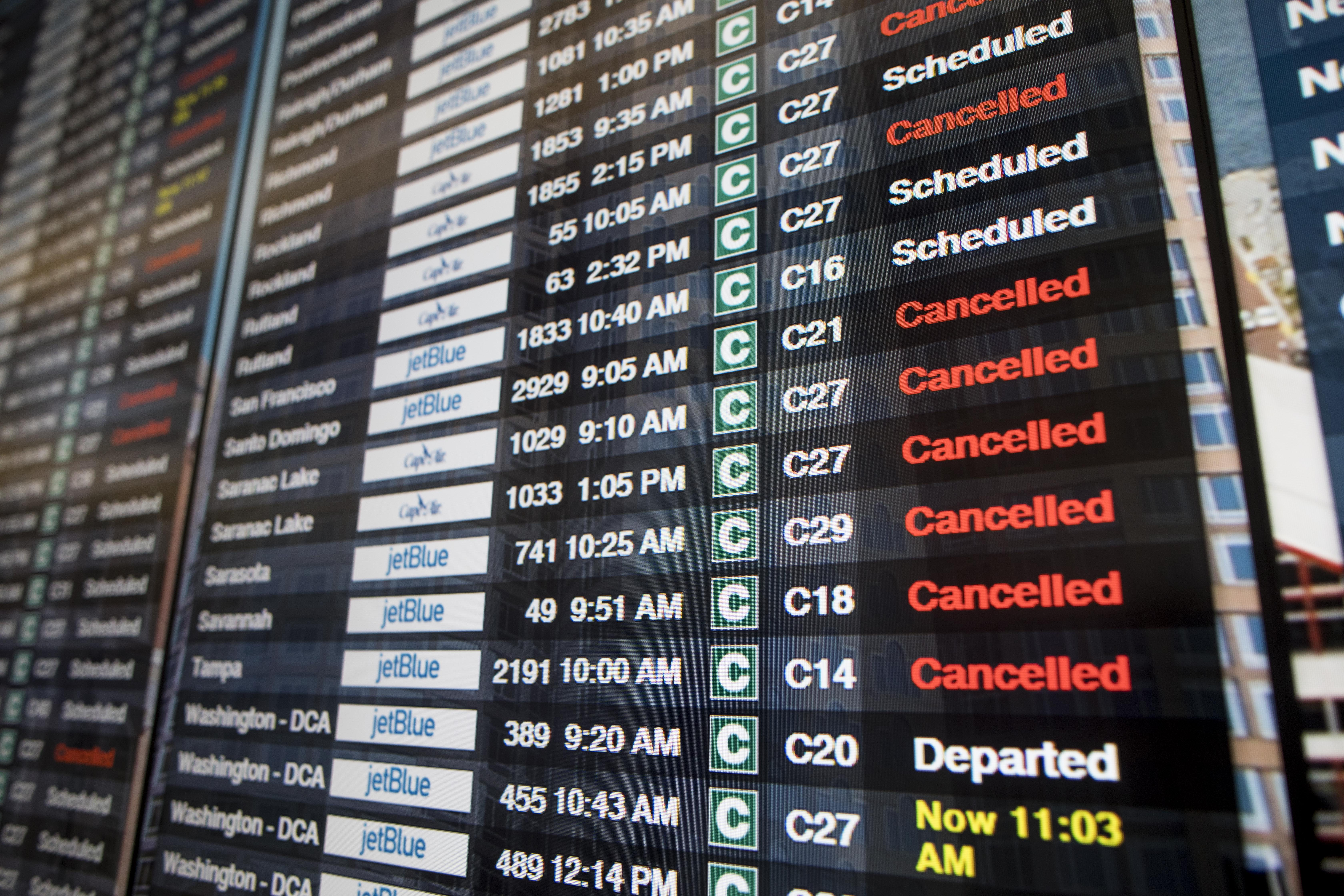 Snow fallout: Airlines canceled more than 4,800 flights since Friday