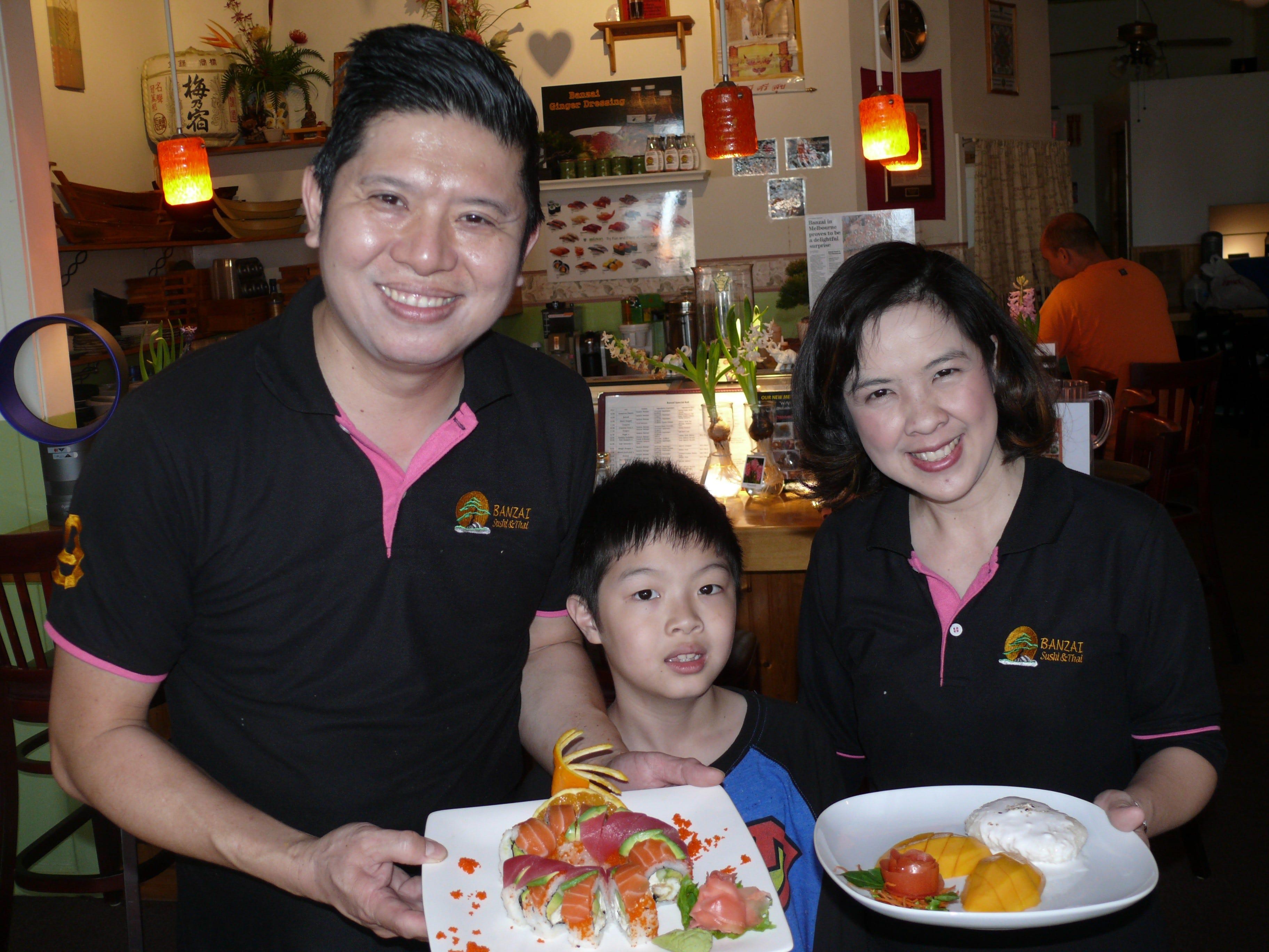 636563621799052314-Bonzai Join the family at Banzai Sushi & Thai on Lake Washington in Melbourne