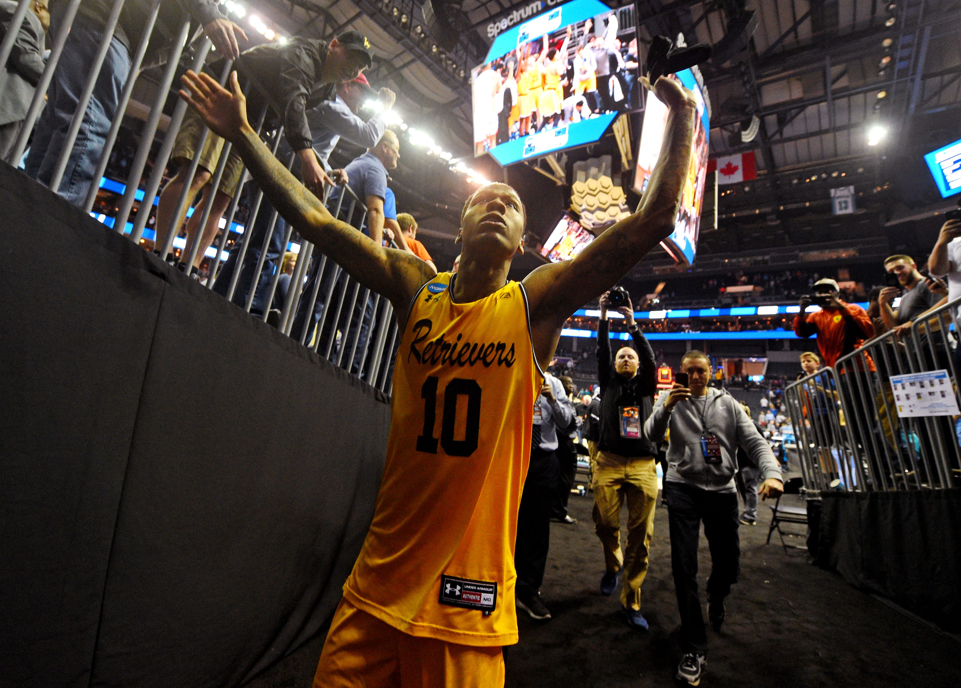 4186c7550 http   www.usatoday.com picture-gallery sports ncaab 2012 12 11 ...