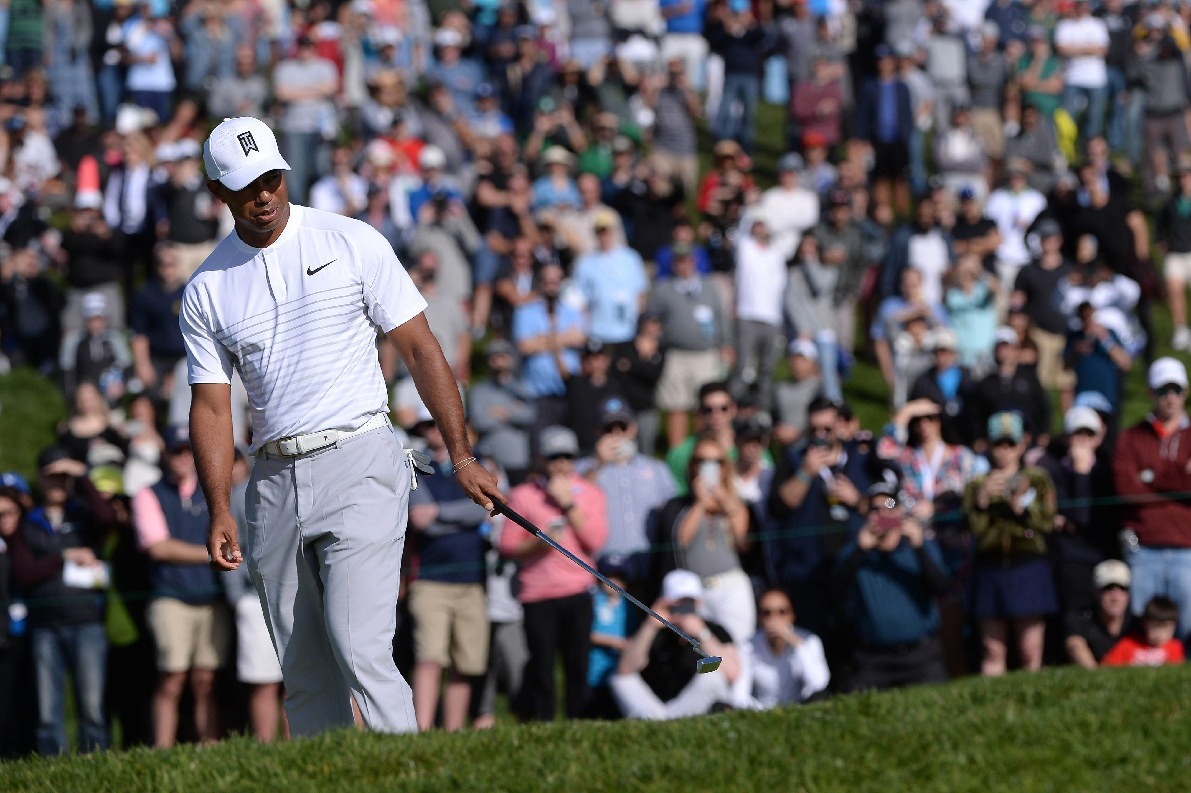 Tiger Woods reveals offseason knee surgery, hopes to start practicing again in a 'few weeks'