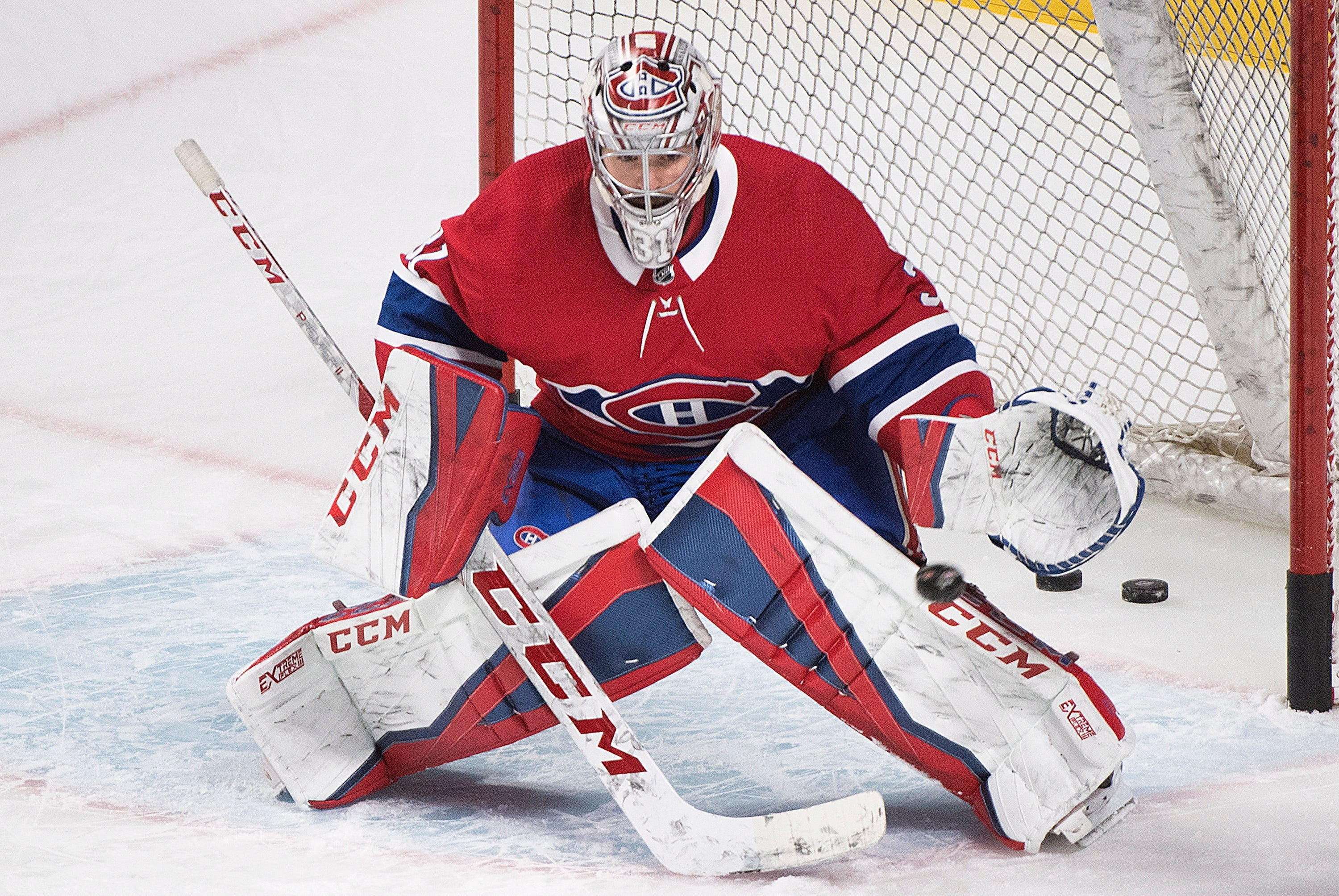 Luongo gets 3rd shutout, Panthers beat Canadiens 2-0