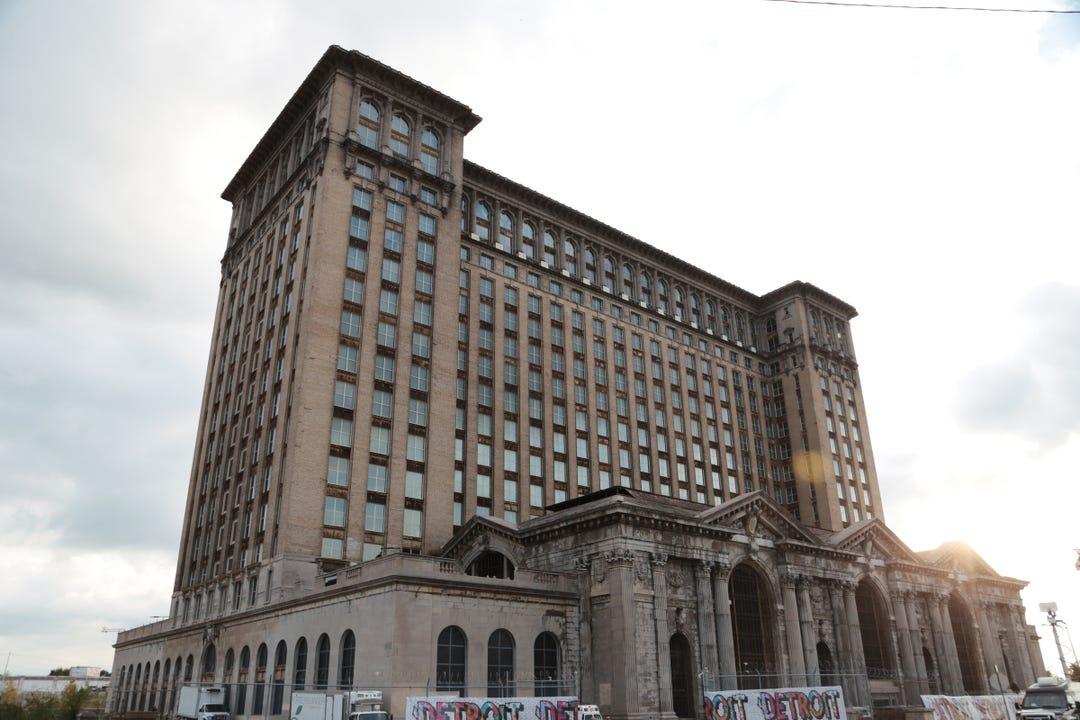 Verlassenes Bahnhofsgebäude in Detroit