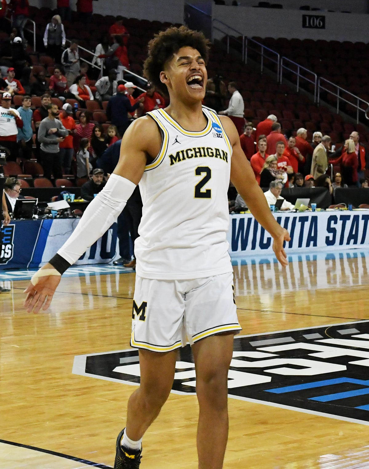 release date 2a3fc efb3b Michigan's Jordan Poole rolls with buzz stoked by buzzer ...