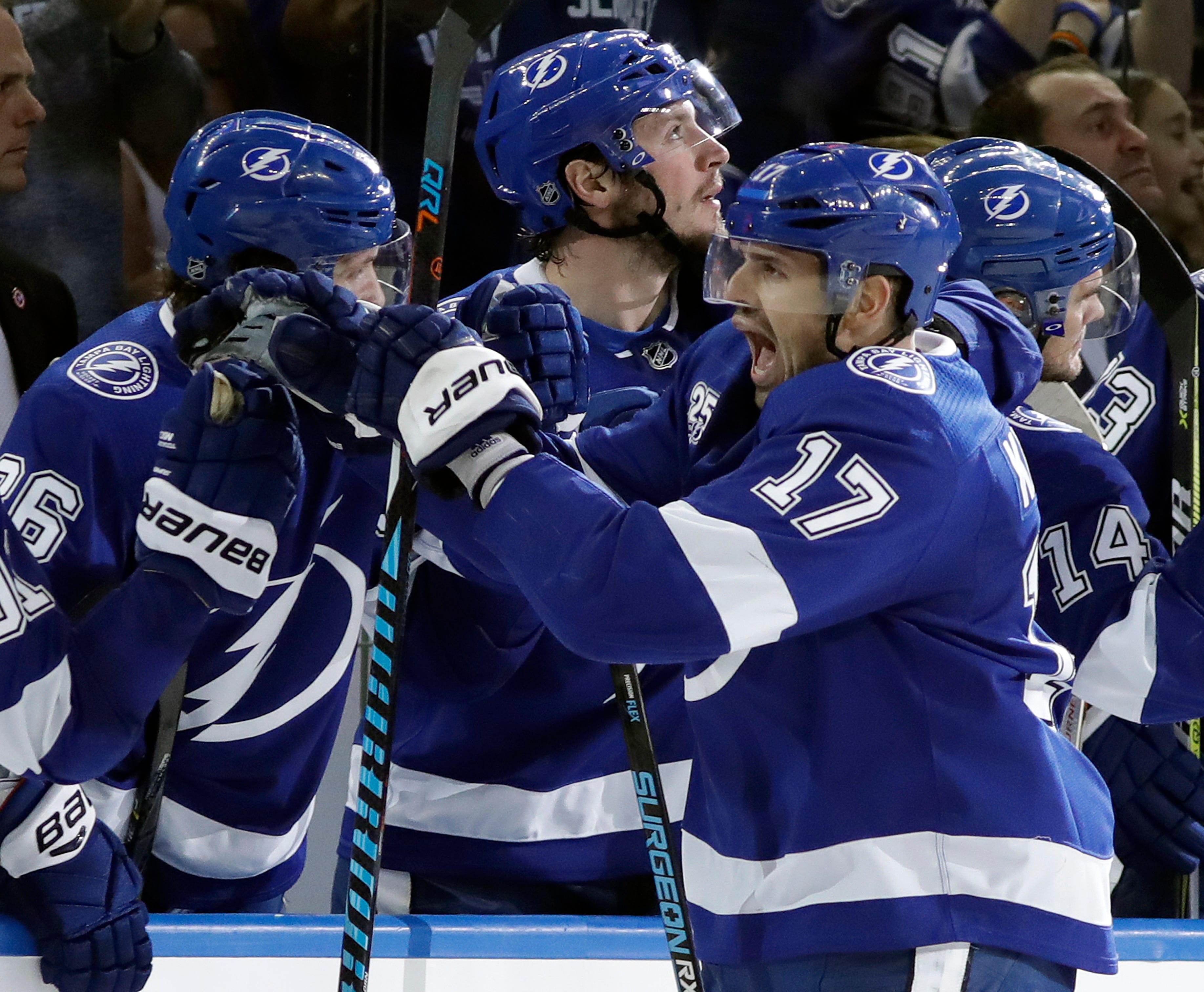Lightning erase 3-goal deficit, rally past Maple Leafs 4-3
