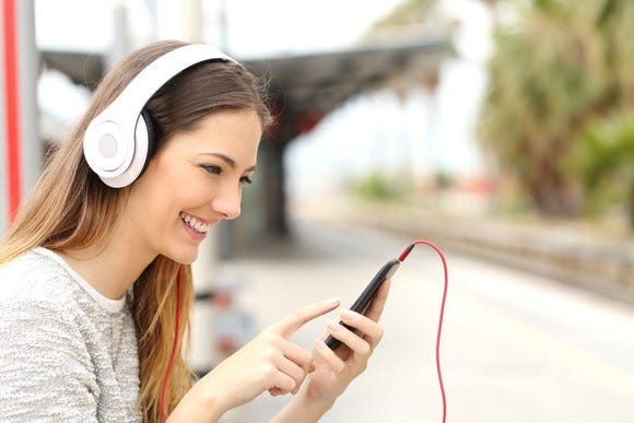 Streaming Christmas Music.How To Pick The Best Music Streaming Service