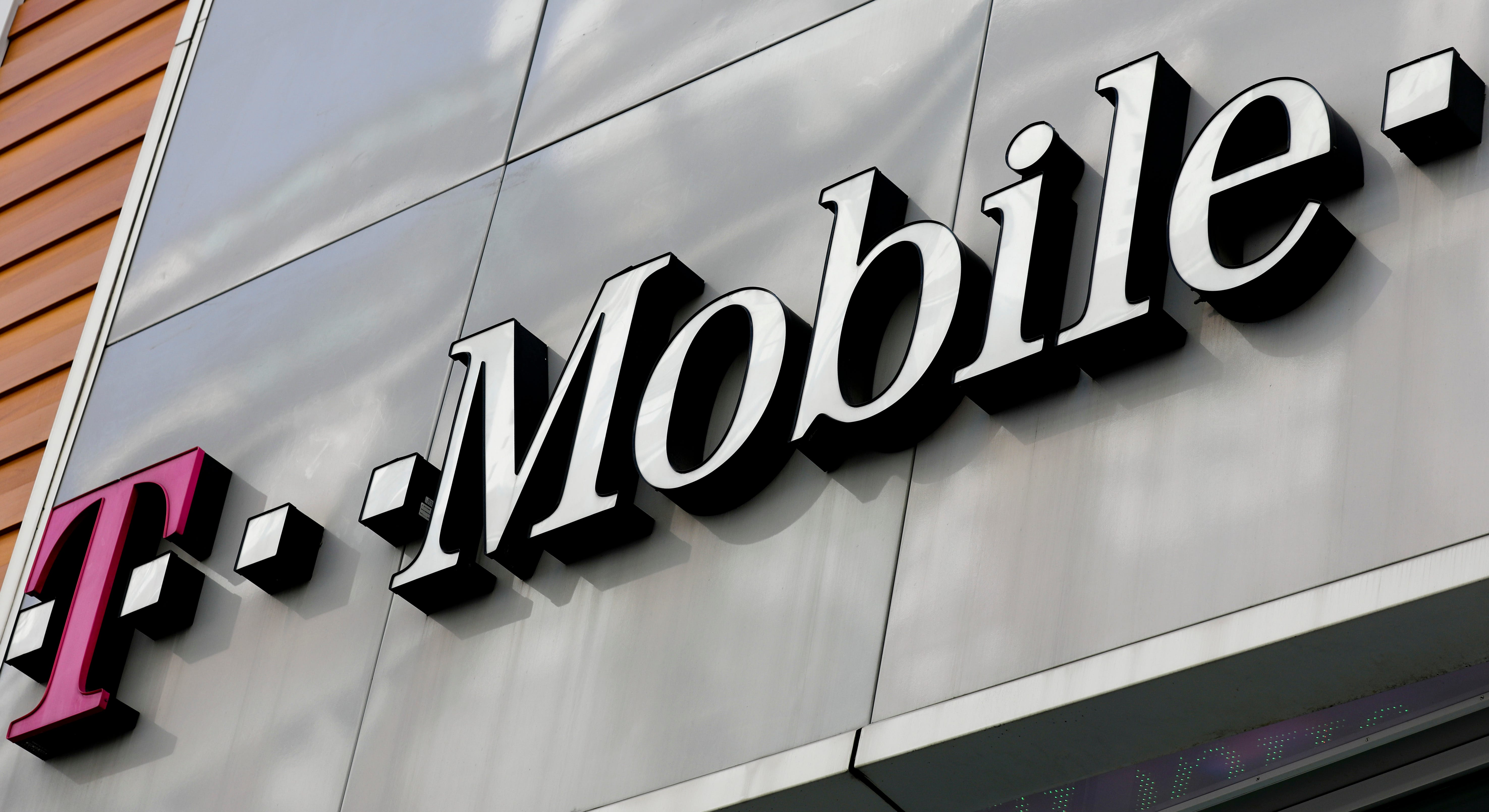 Federal appeals court revives cell carrier T-Mobile's lawsuit against Wilmington