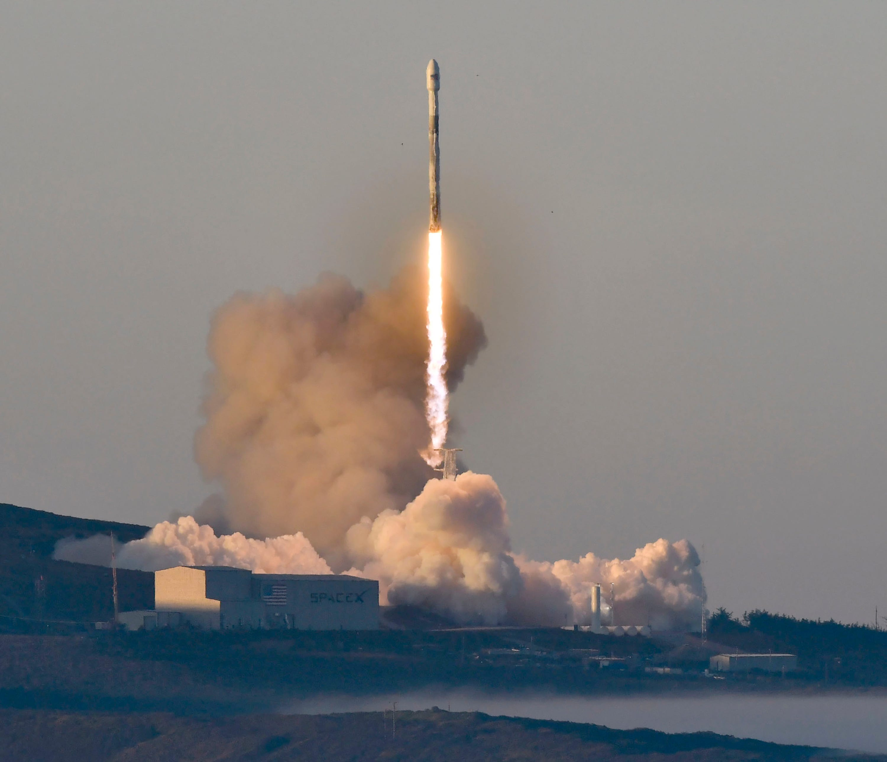 Watch SpaceX's Falcon 9 launch satellites that will track rising oceans and melting glaciers