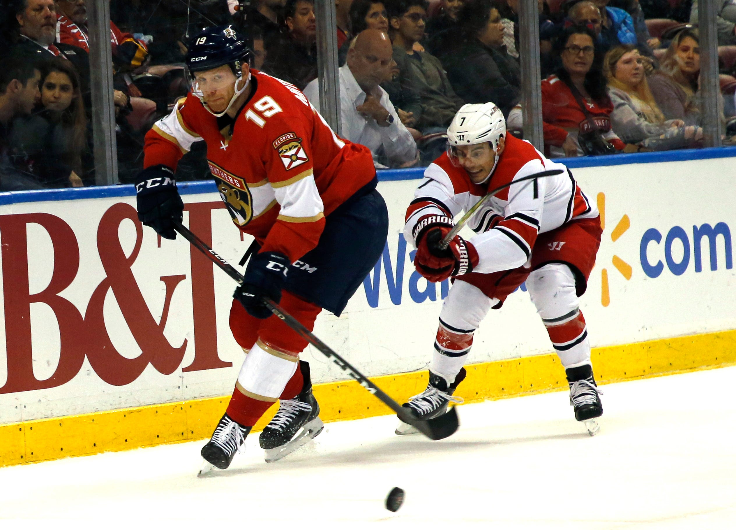 Petrovic scores in 3rd period, Panthers beat Hurricanes 3-2