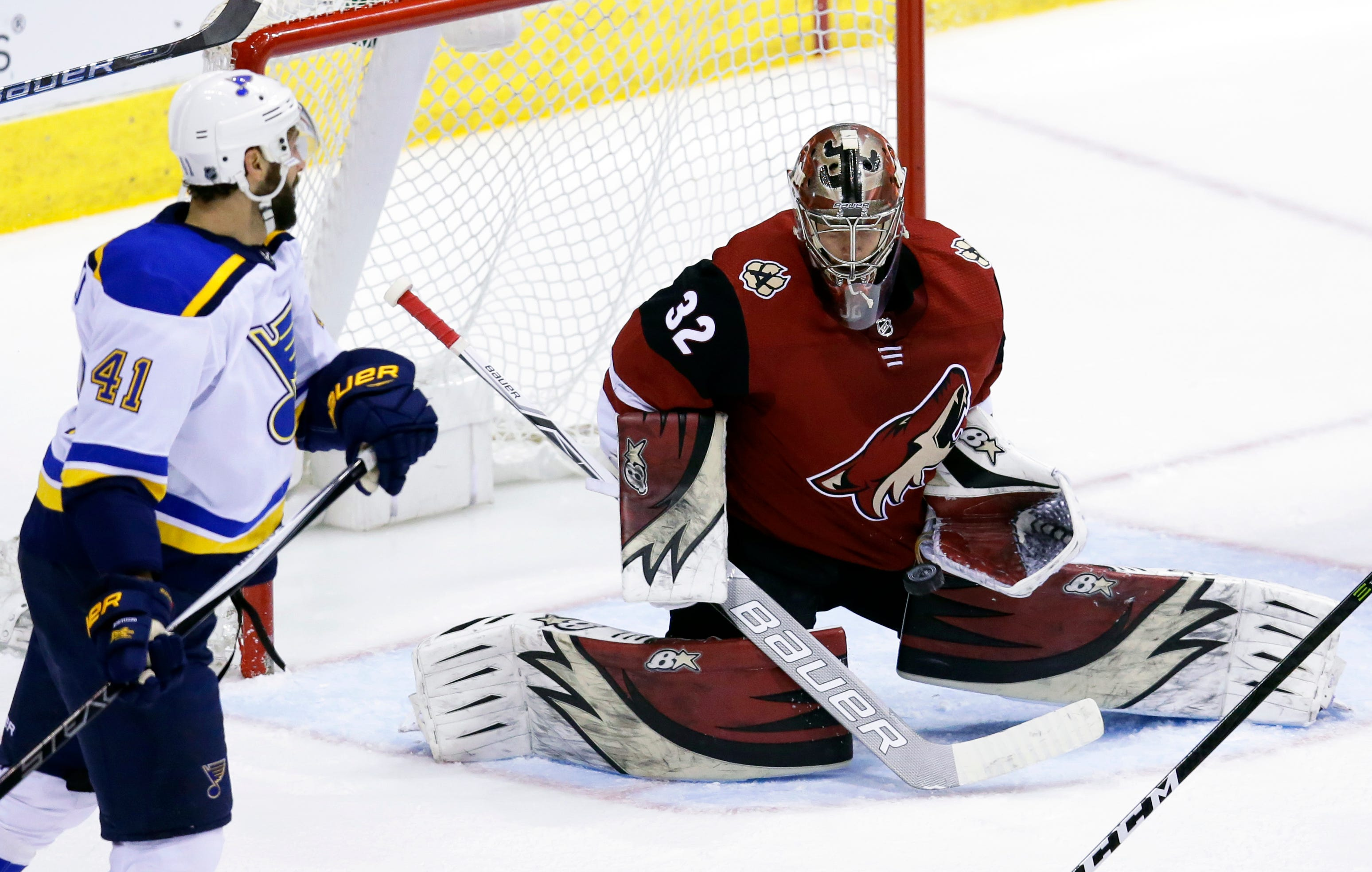 Coyotes sign goaltender Antti Raanta to 3-year deal