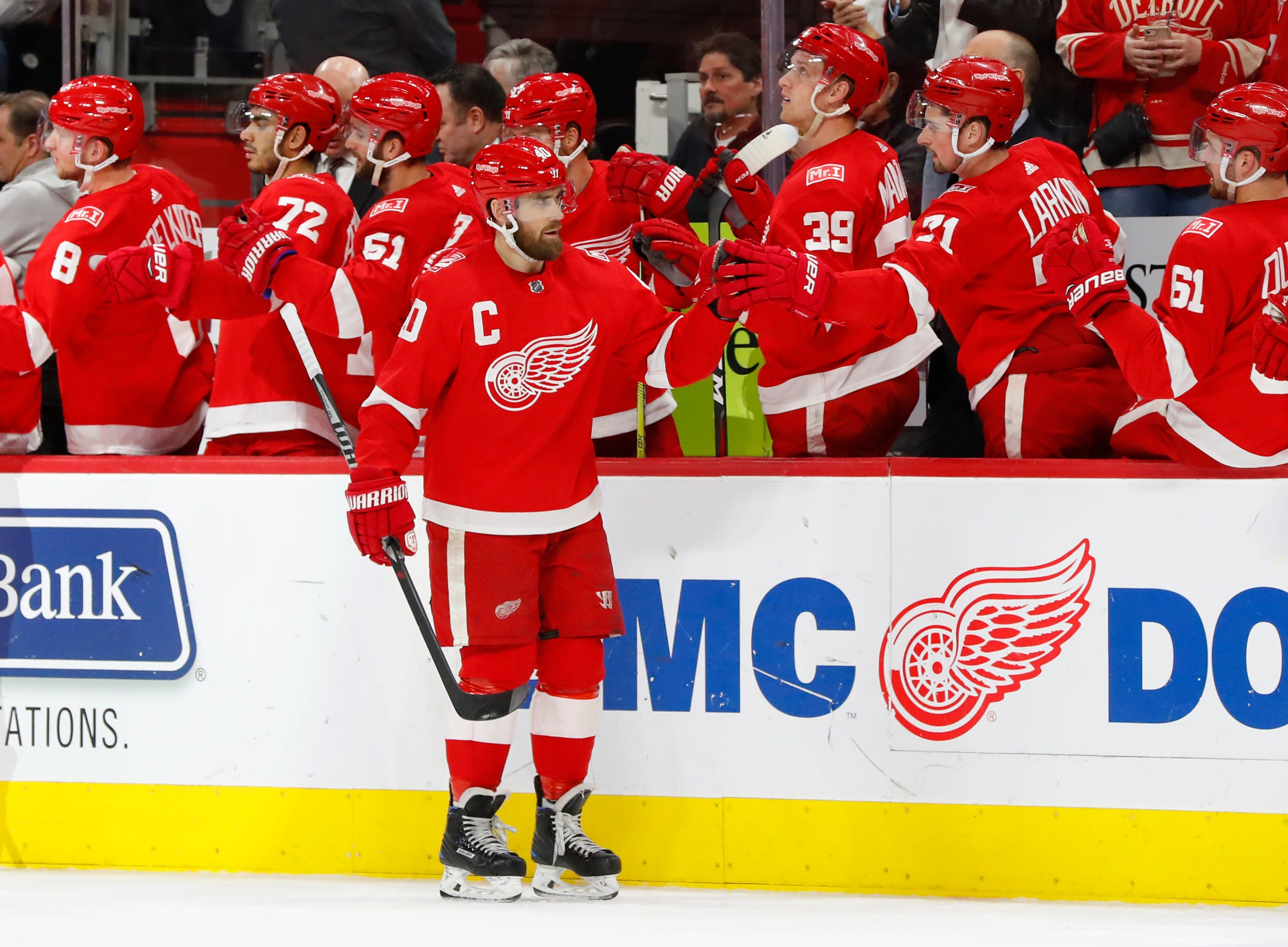 AP Islanders Red Wings Hocke 2