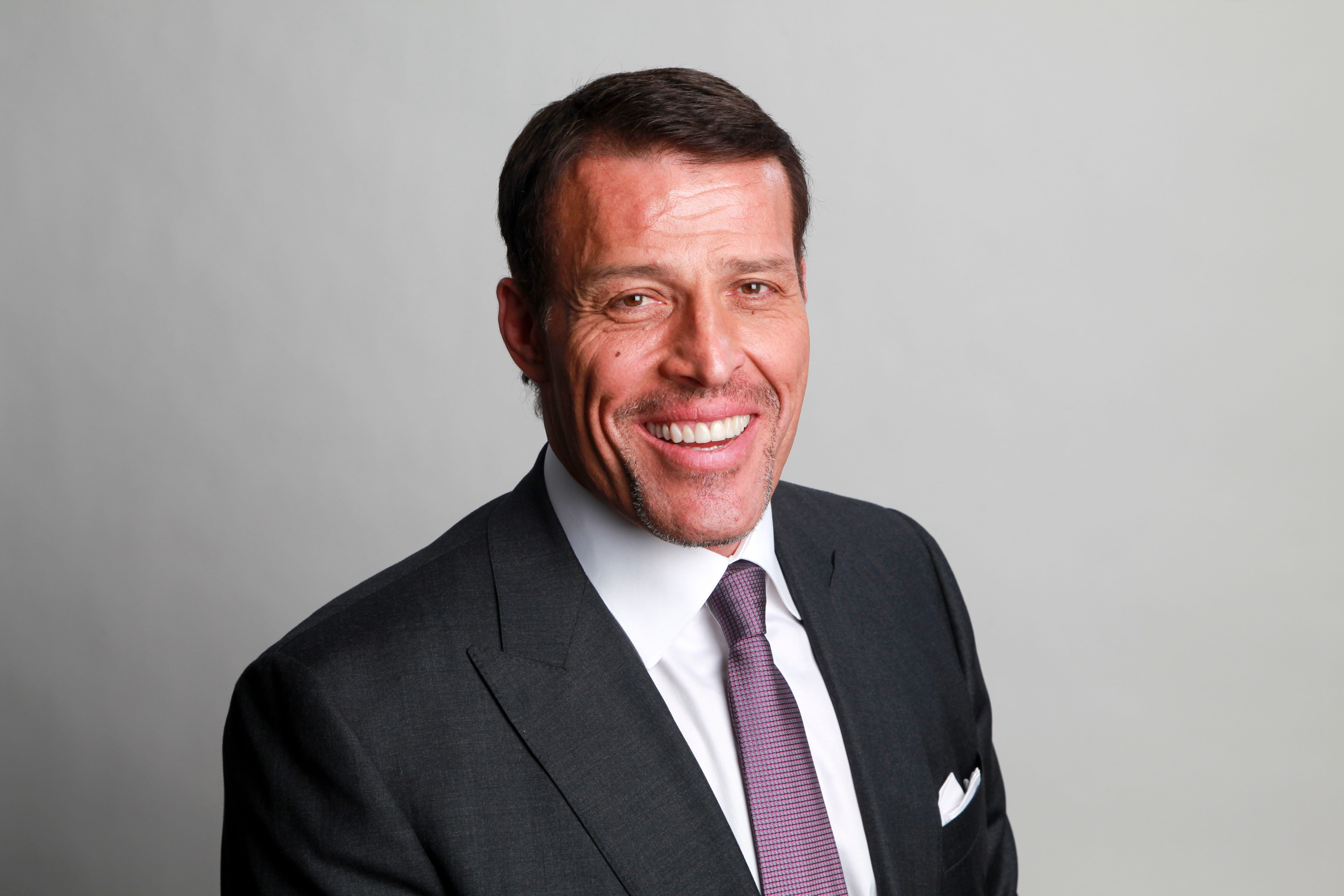Four more women accuse Tony Robbins of sexual misconduct in BuzzFeed News investigation