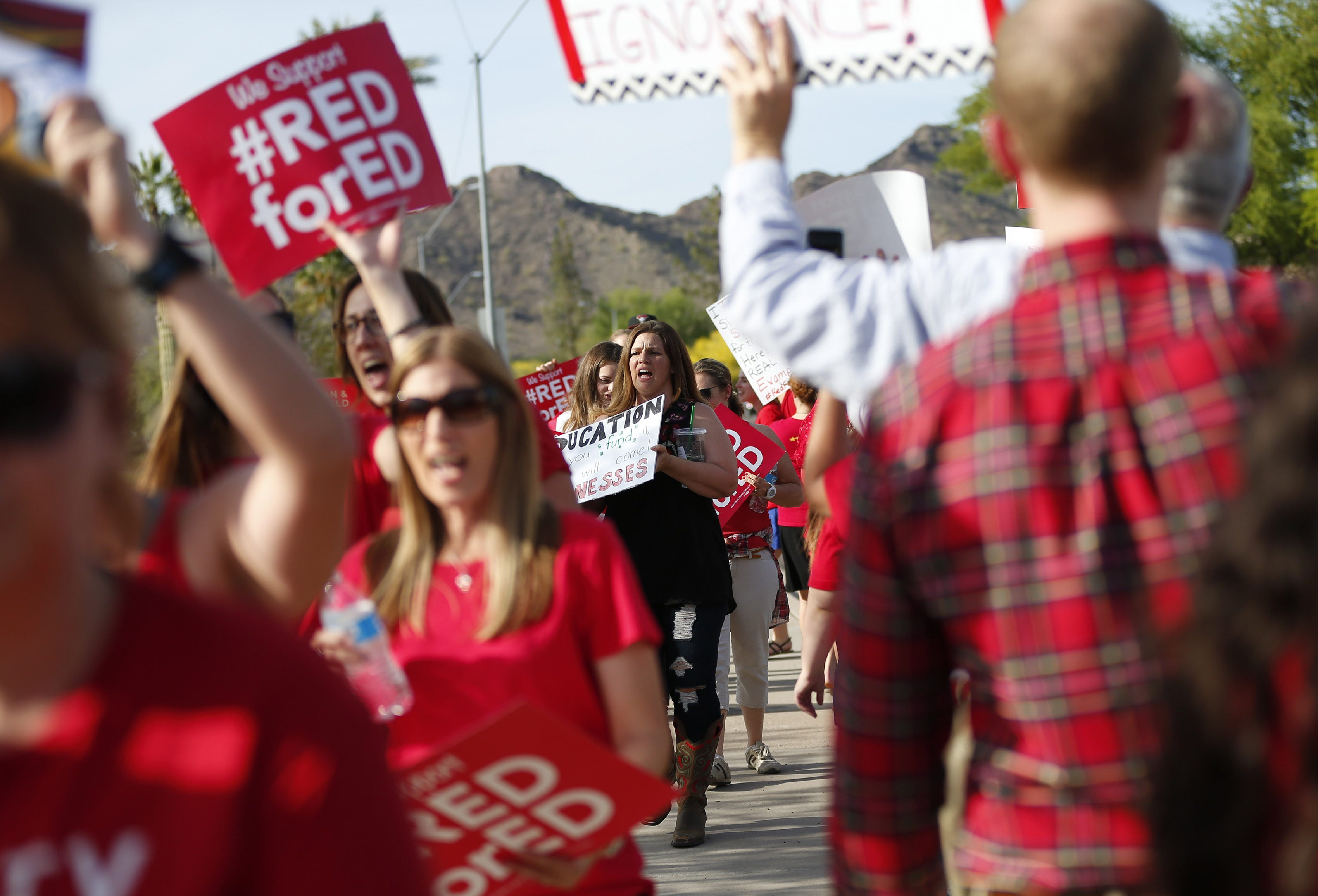 #RedForEd: How Arizona's movement went from red T-shirts to a walkout | Arizona Central