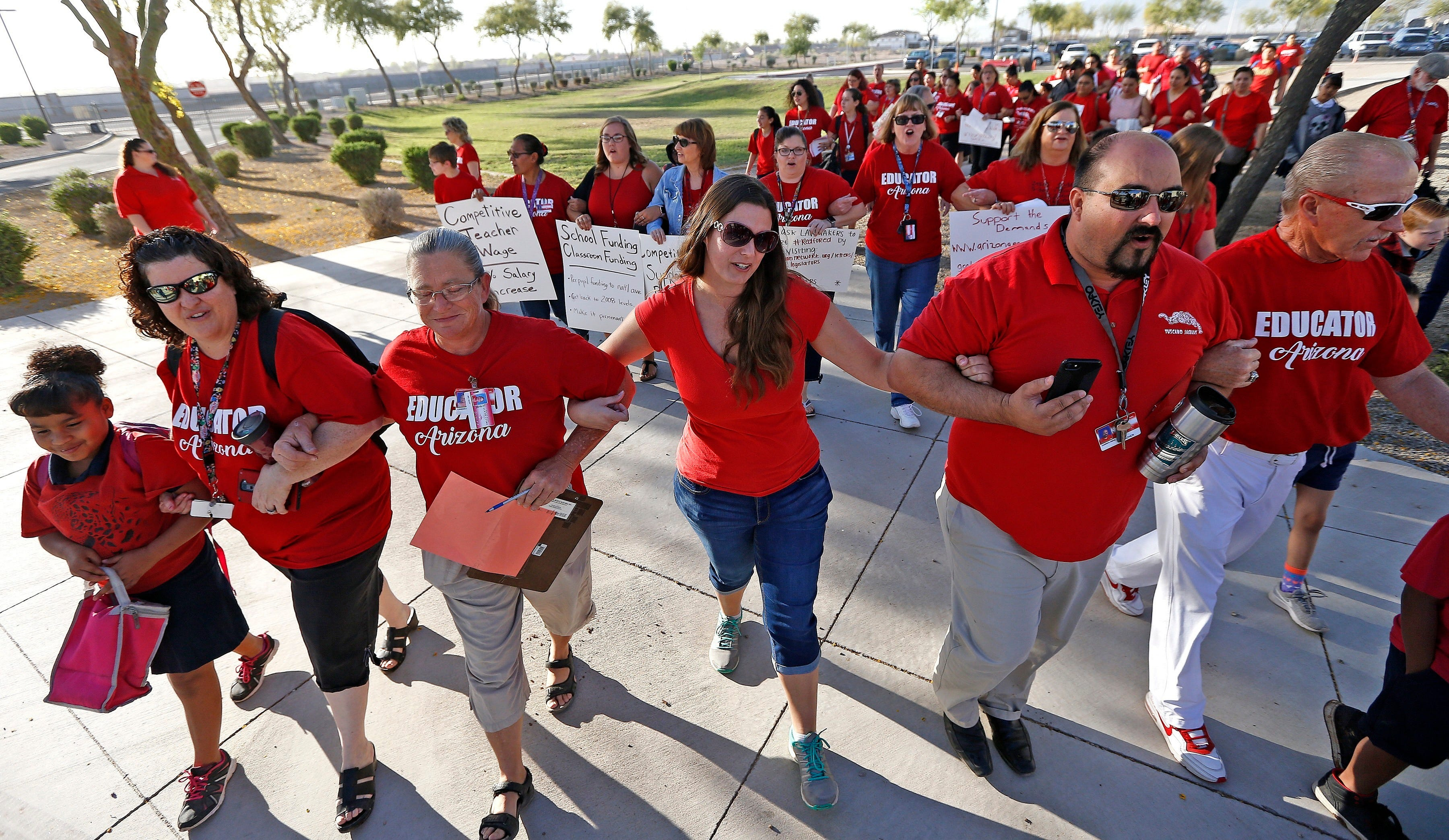 #RedForEd walkout school closures will impact 820,000 Arizona students | Arizona Central