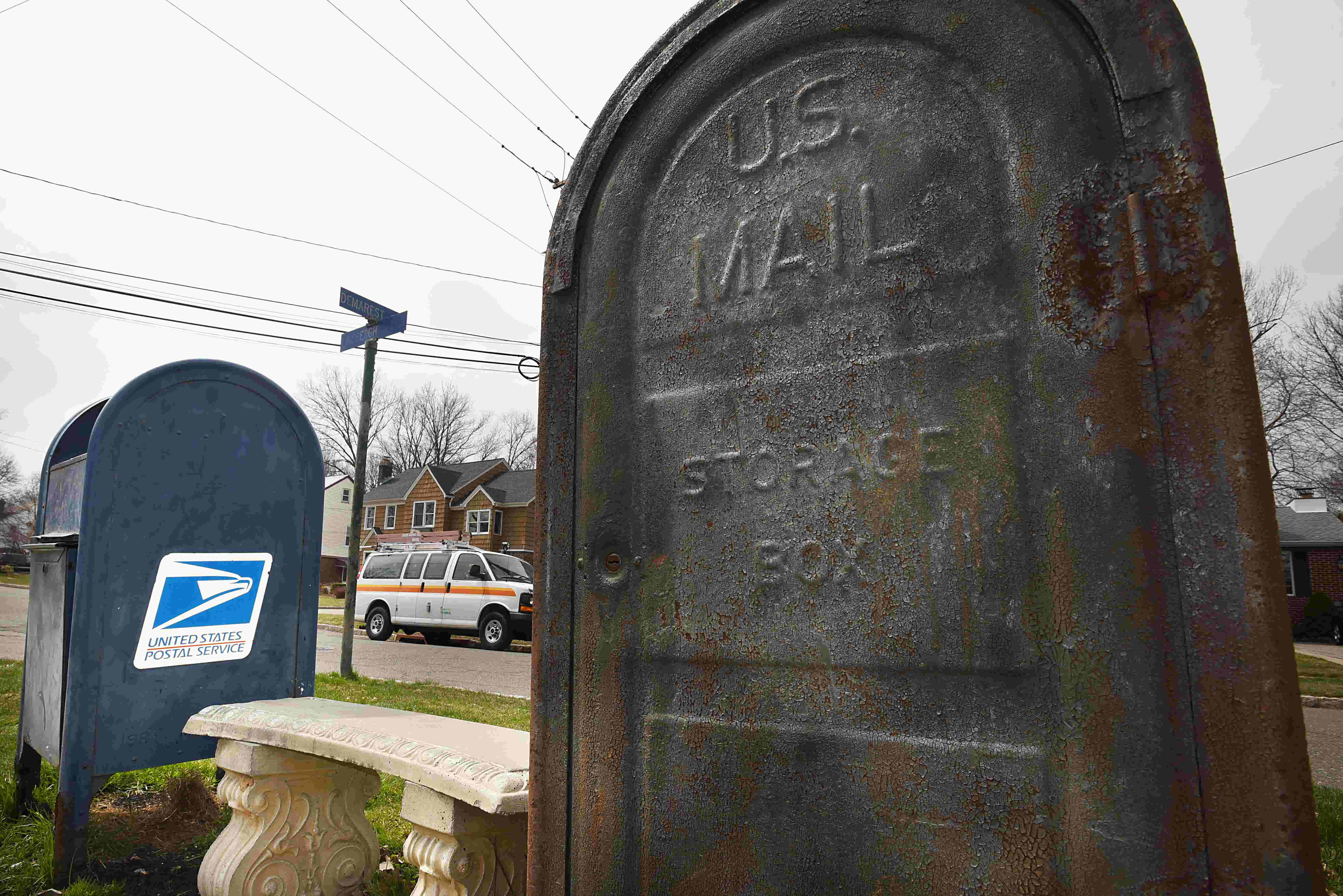 Are those blue mailboxes safe? Authorities probe 'fishing' crimes
