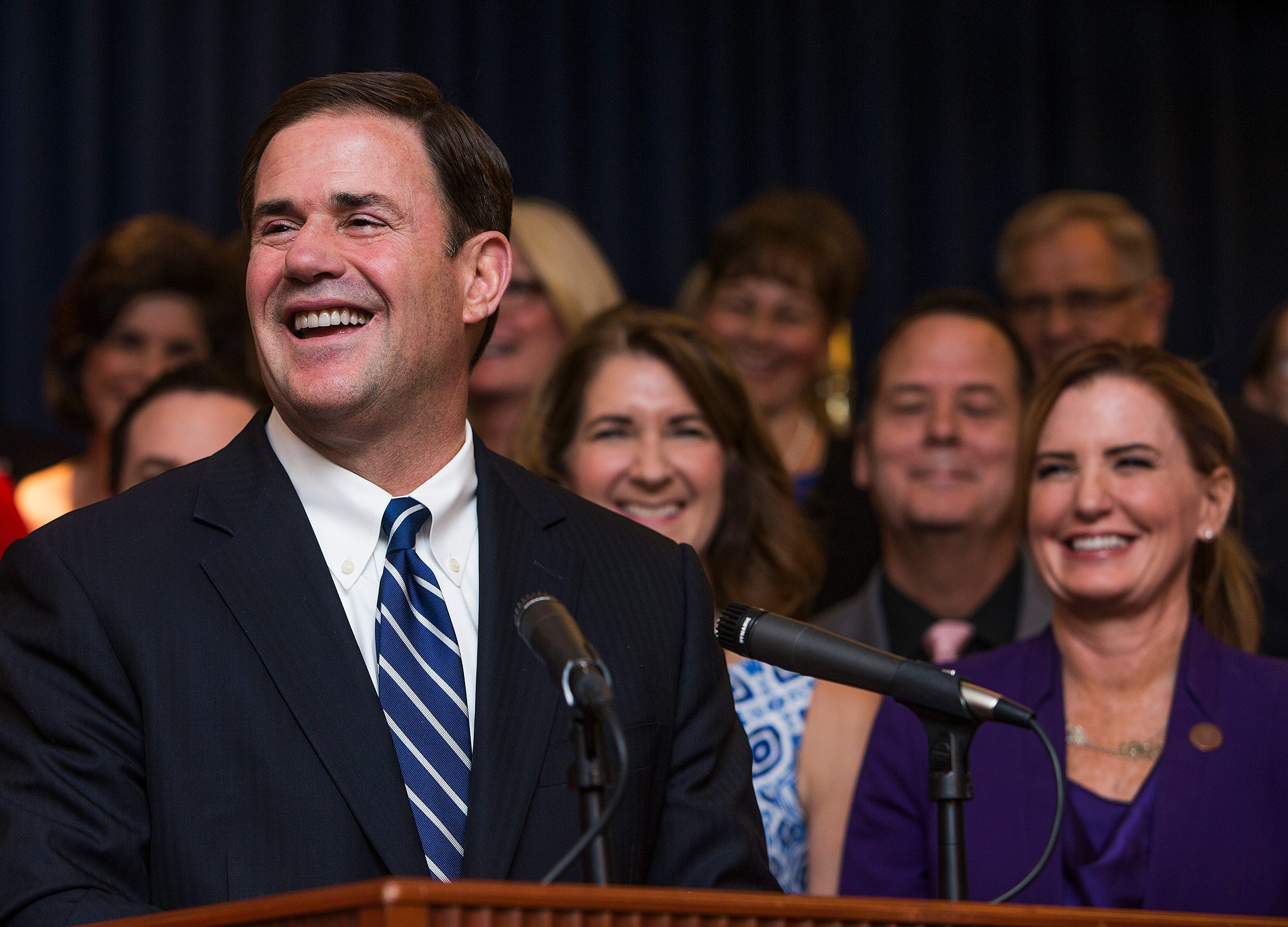 Economists: Arizona's fortunes are growing, but Ducey's teacher pay plan on shaky ground | Arizona Central