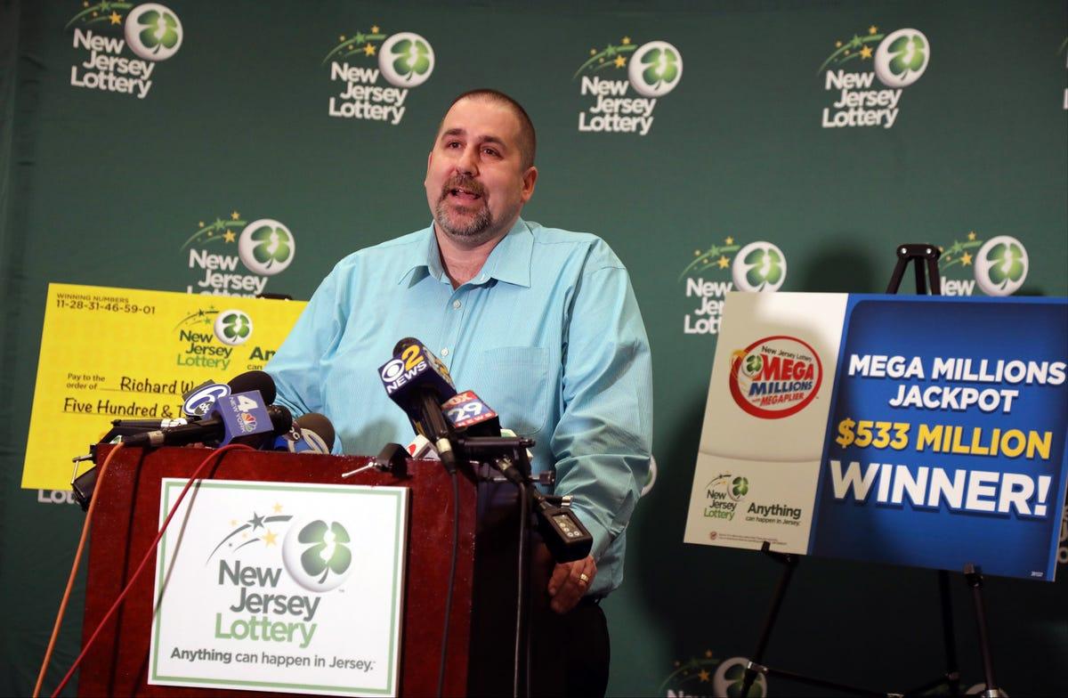 Winner of $533 million Mega Millions lottery says he'll take