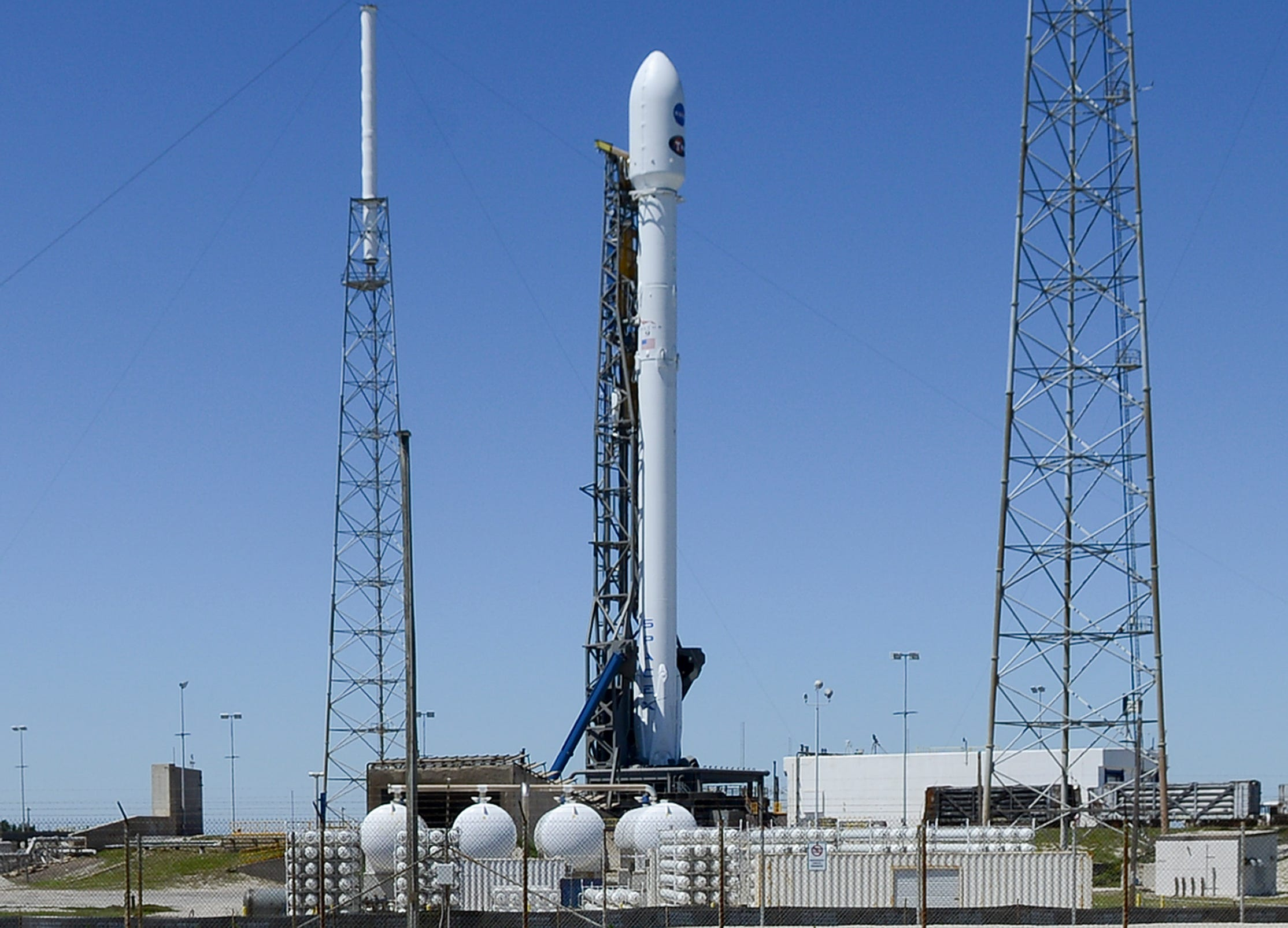 636594962697854971-crb041618-spacex-6- SpaceX and TESS: Forecast clear for SpaceX launch of NASA planet hunter