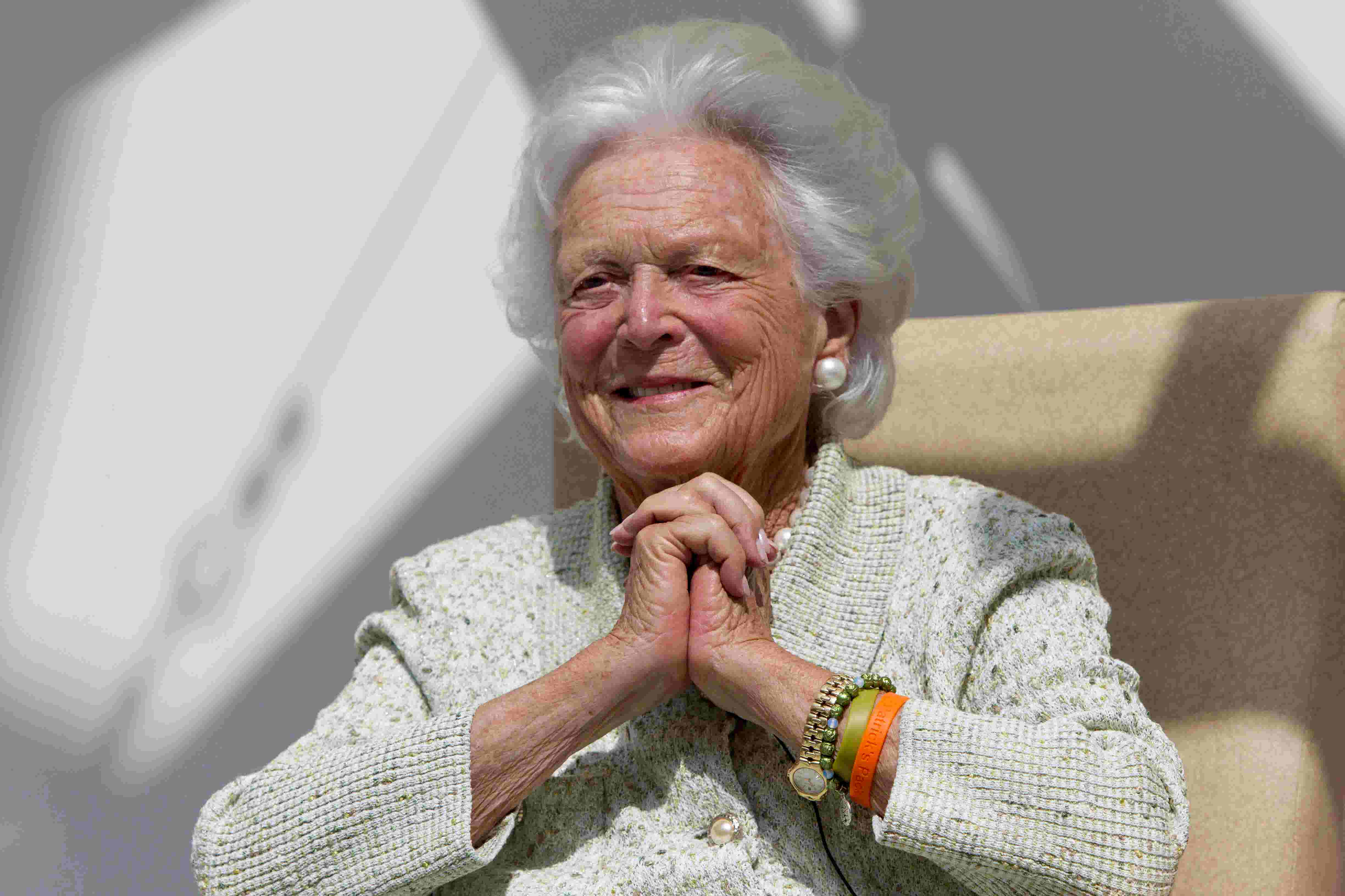 Now Hes Hiding Behind First Lady >> Barbara Bush Blames Trump For Heart Attack Gop Exit In The Matriarch