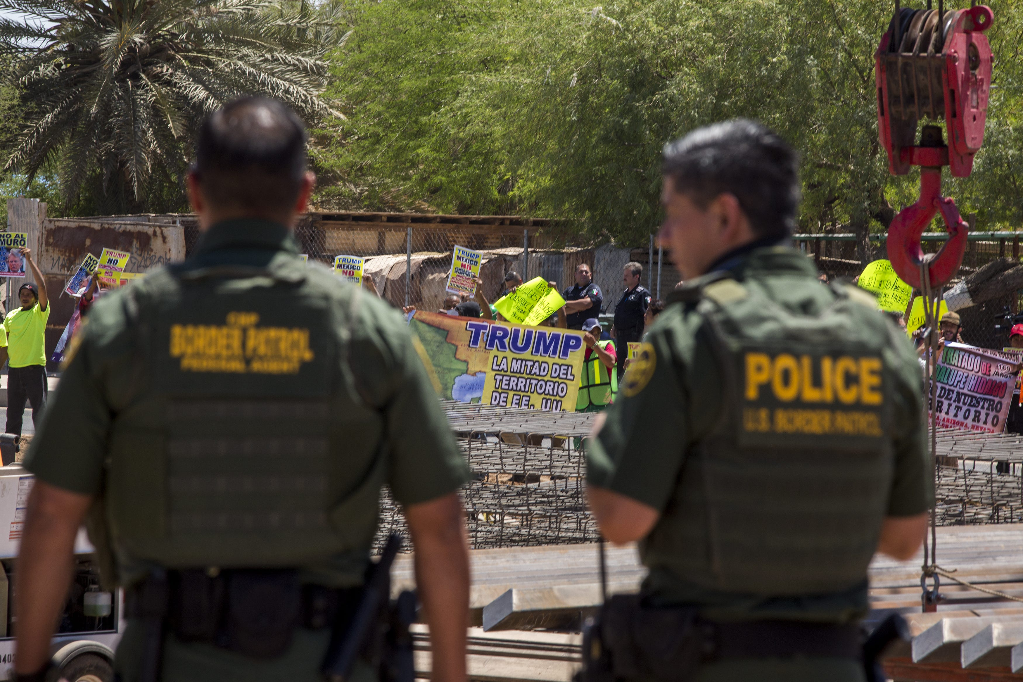 Homeland Security chief denies policy separates families at border