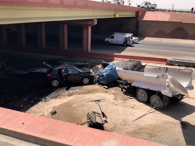 El Paso police say driver jumped out of dump truck before it caused 10-vehicle wreck   El Paso Times