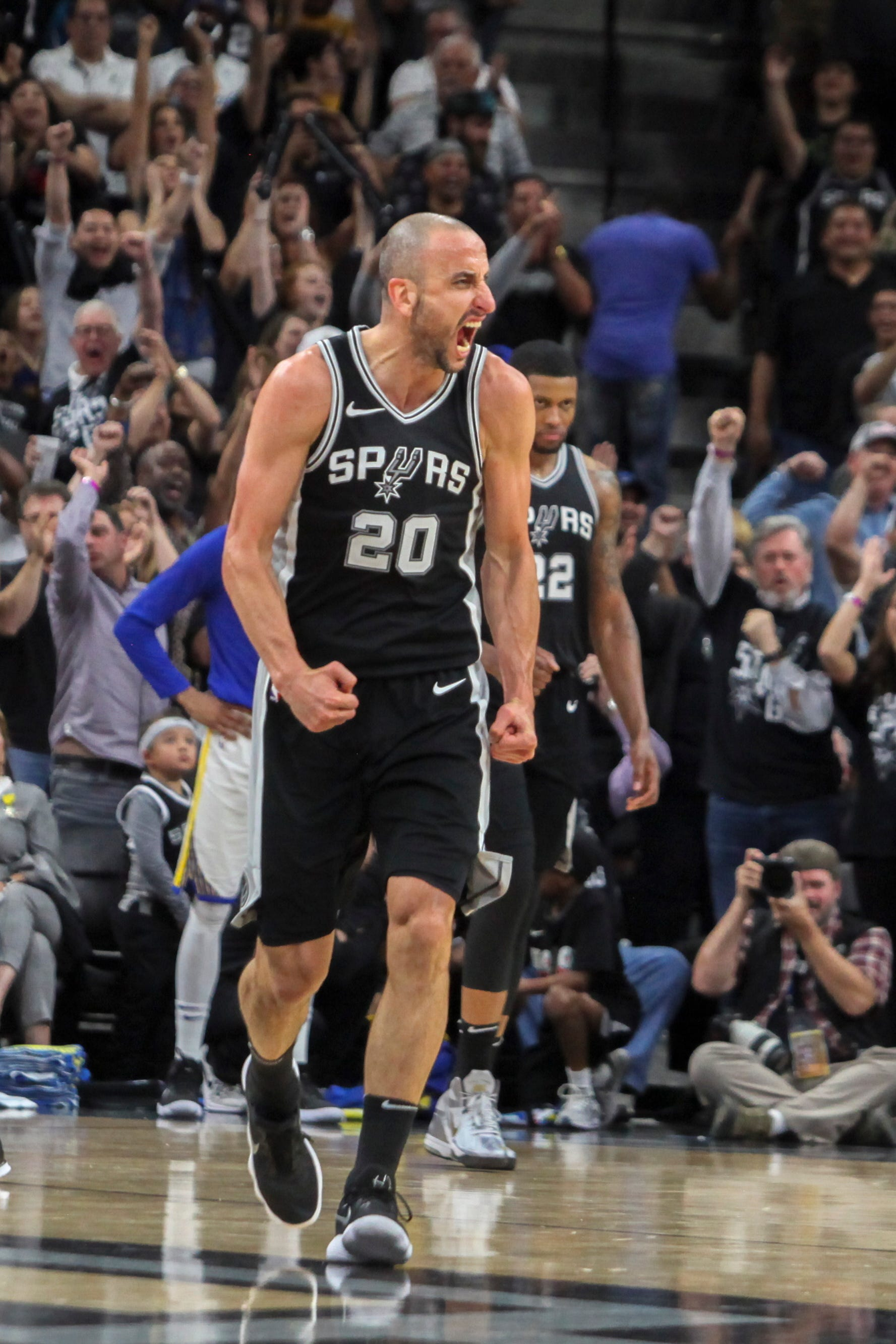 Manu Ginobili, Spurs do coach Gregg Popovich proud with Game 4 victory