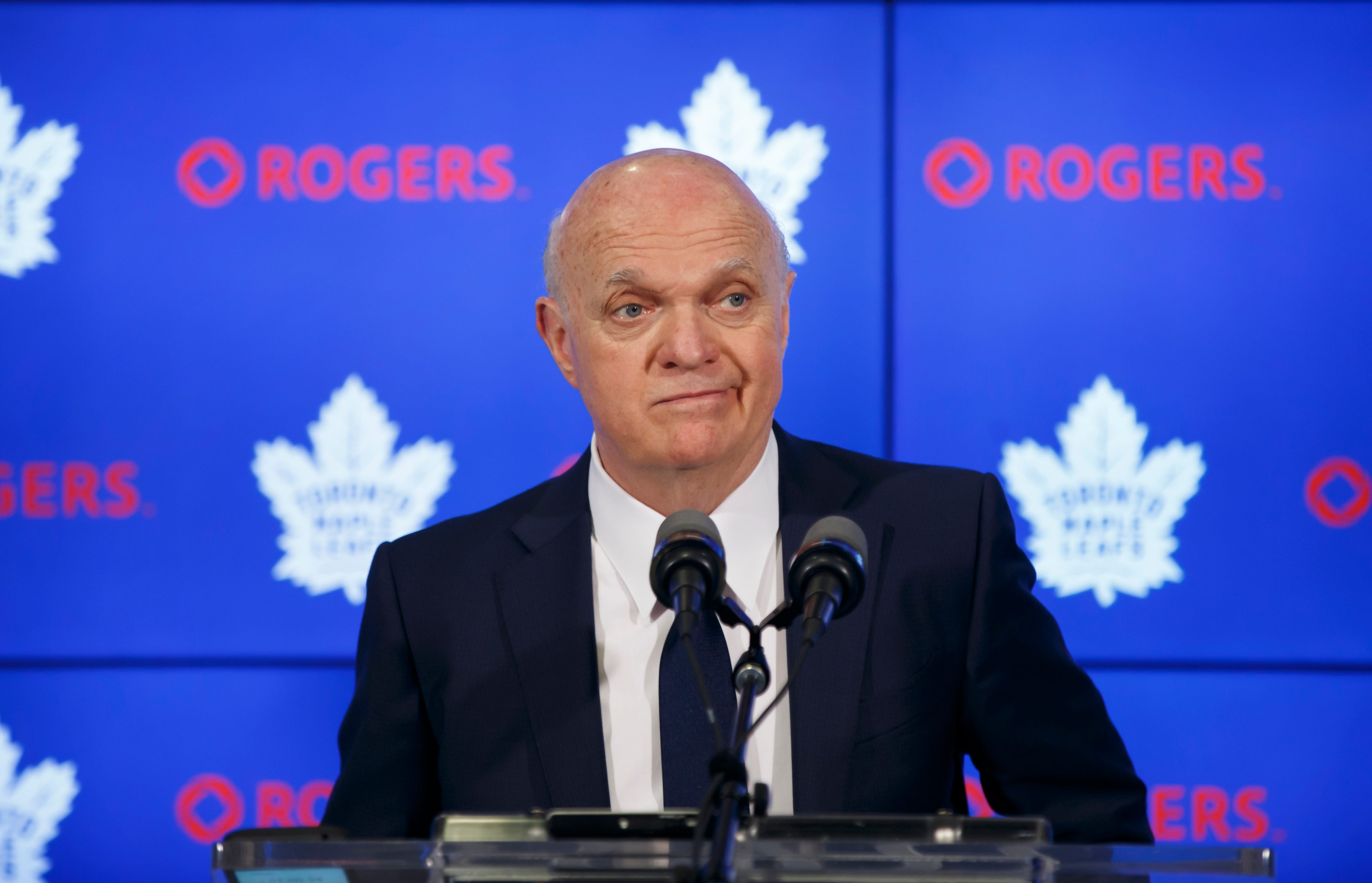 Matthews, Babcock deny rift as Maple Leafs clean out lockers