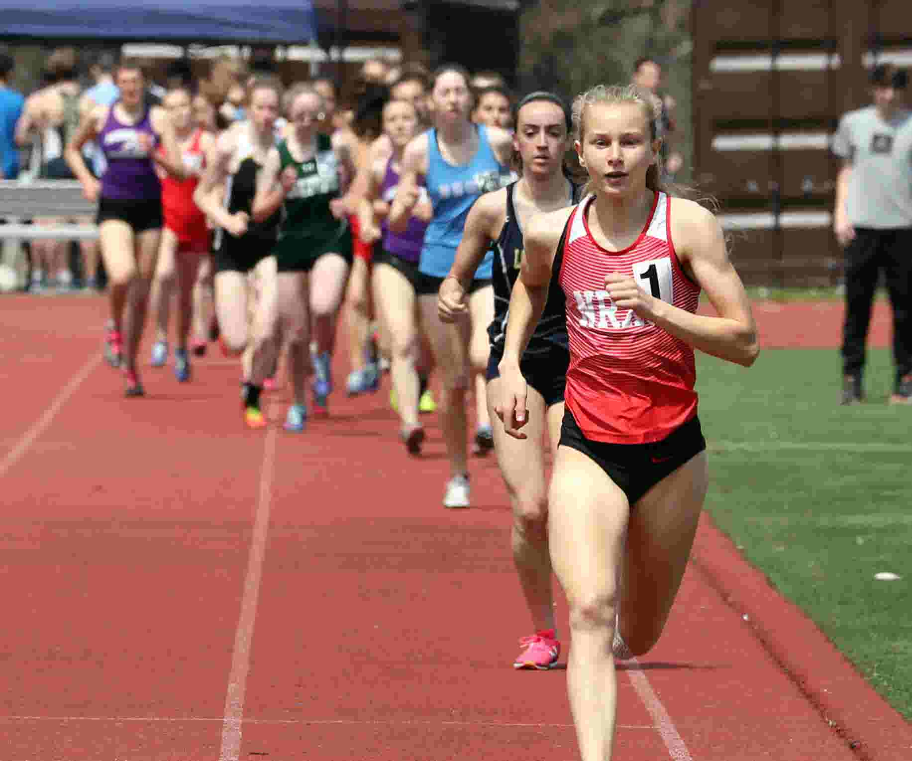 Video Katelyn Tuohy Sets Meet Record At Gold Rush Track Invitational