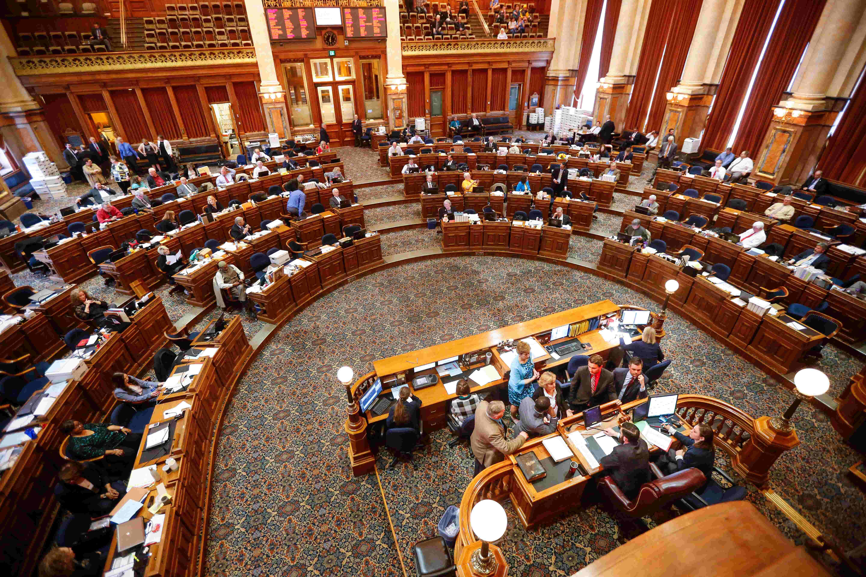 iowa 2018 legislature adjourns what bills passed in this session