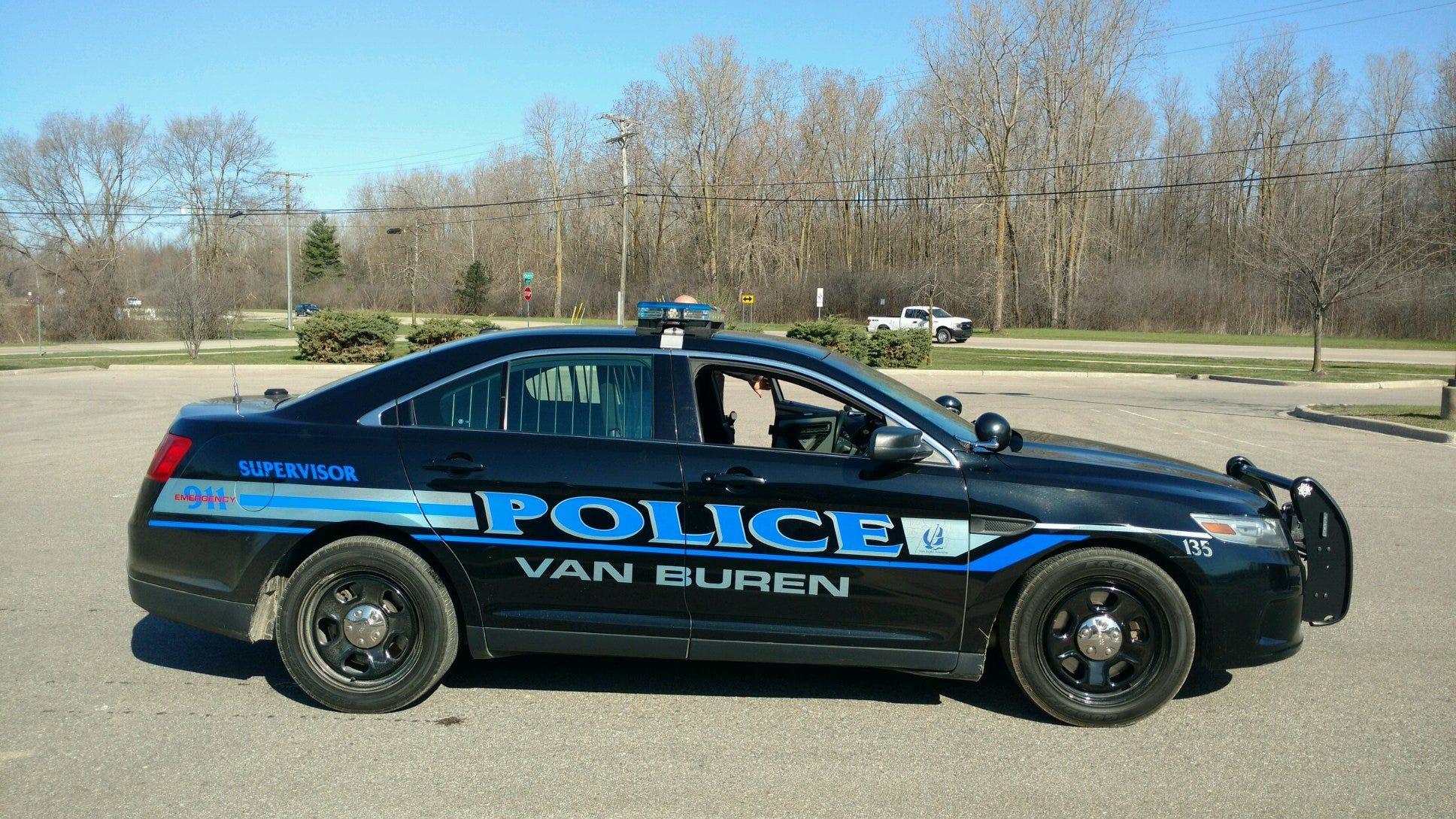 Van Buren police investigating deaths of mother, teen at apartment complex