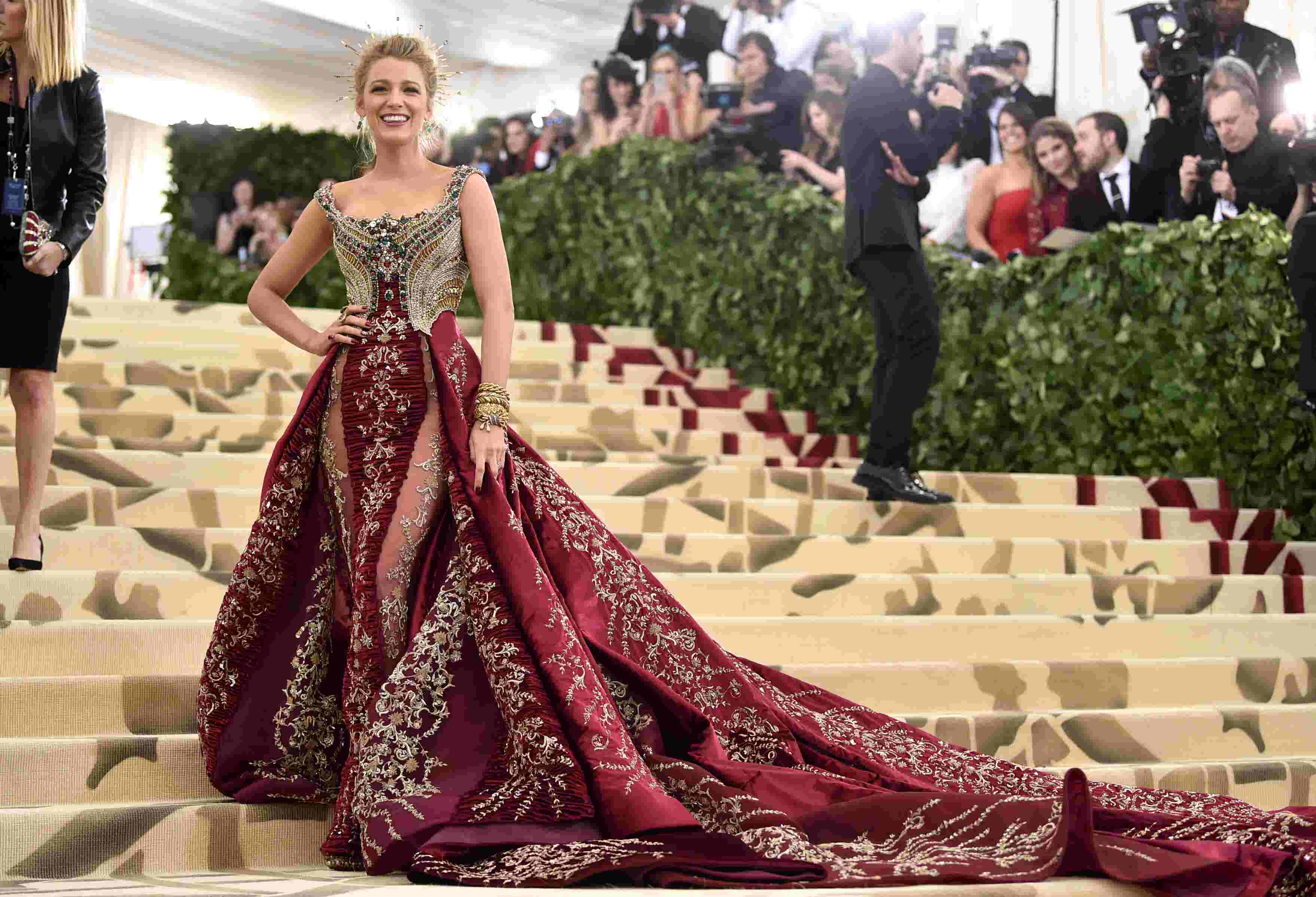 Met gala 2018 best dressed looks from rihanna amal clooney and more play altavistaventures Images